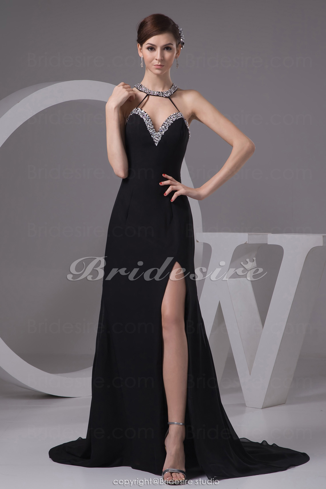 A-line Halter Sweep/Brush Train Sleeveless Chiffon Dress