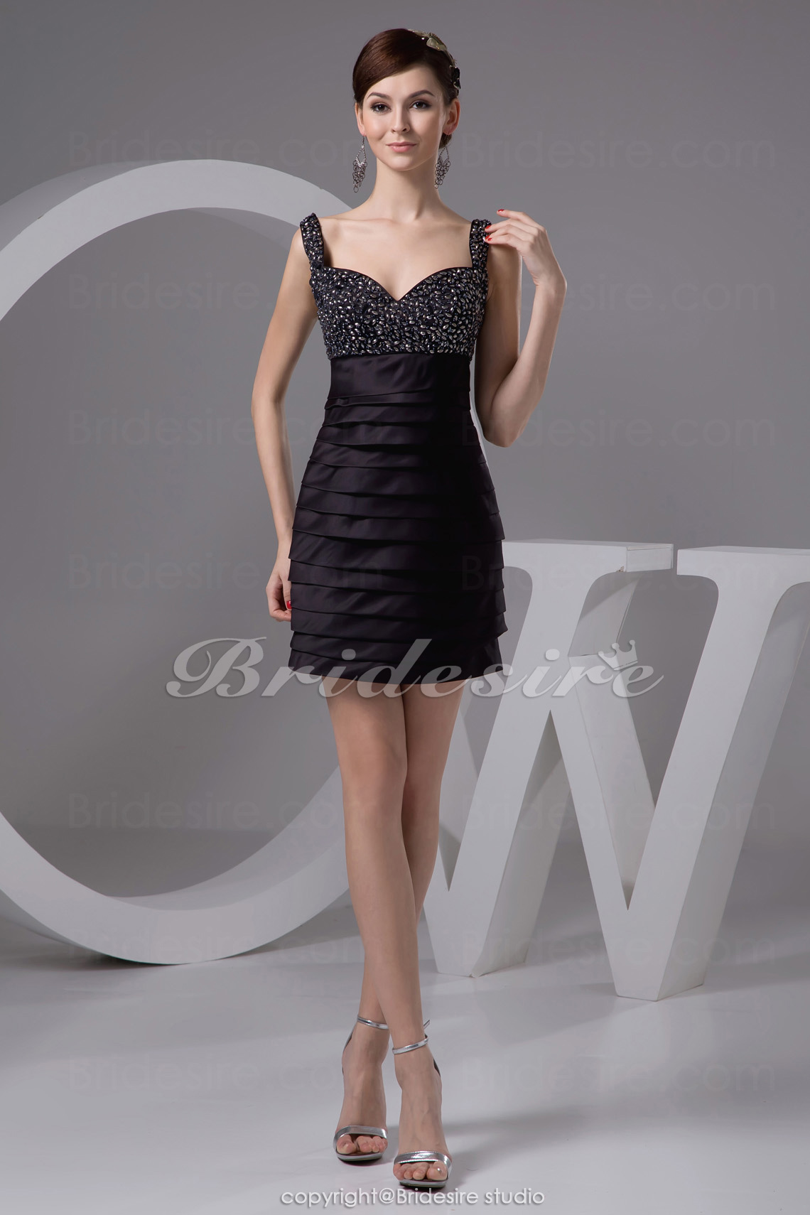 Sheath/Column Sweetheart Straps Short/Mini Sleeveless Satin Dress