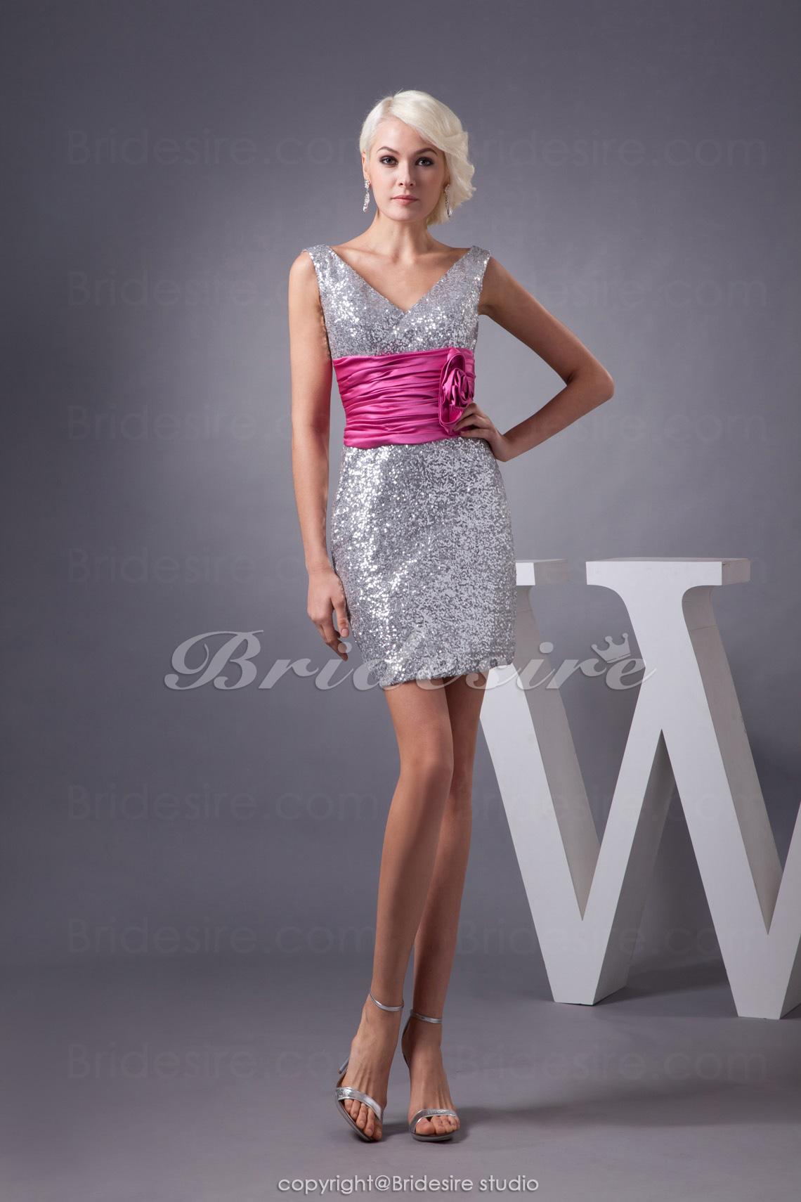 Sheath/Column V-neck Short/Mini Sleeveless Sequined Stretch Satin Dress