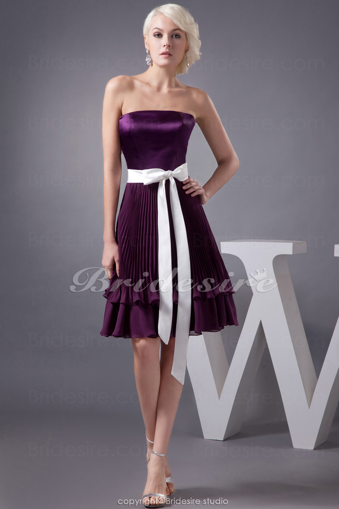 A-line Strapless Short/Mini Sleeveless Chiffon Stretch Satin Bridesmaid Dress