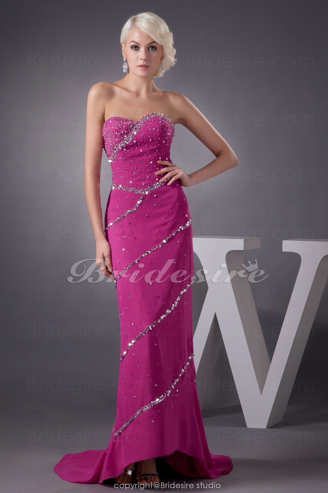 Sheath/Column Sweetheart Floor-length Sweep/Brush Train Sleeveless Chiffon Dress
