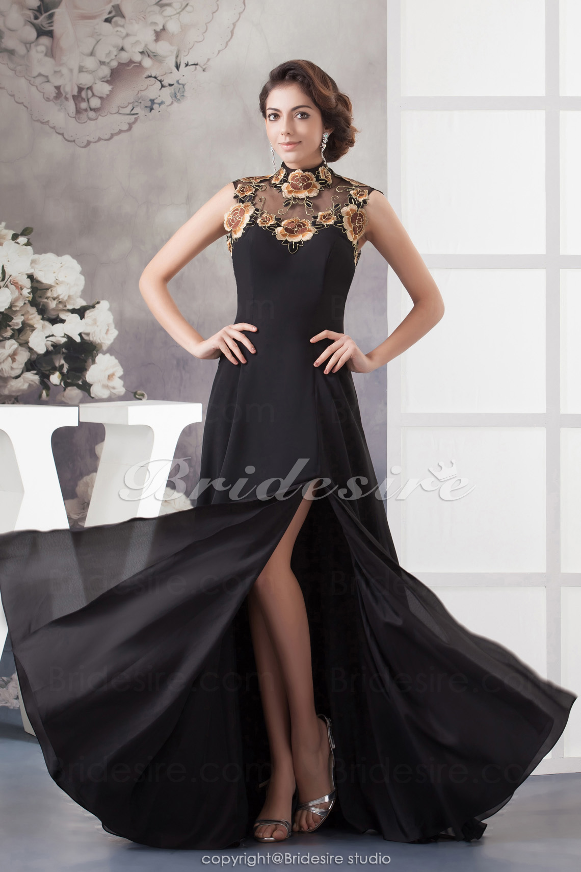 A-line High Neck Floor-length Sleeveless Chiffon Dress