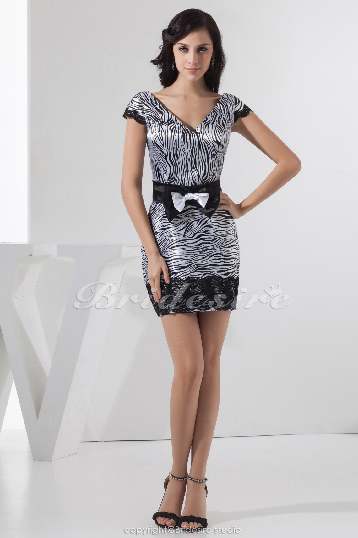 Sheath/Column V-neck Short/Mini Short Sleeve Taffeta Dress