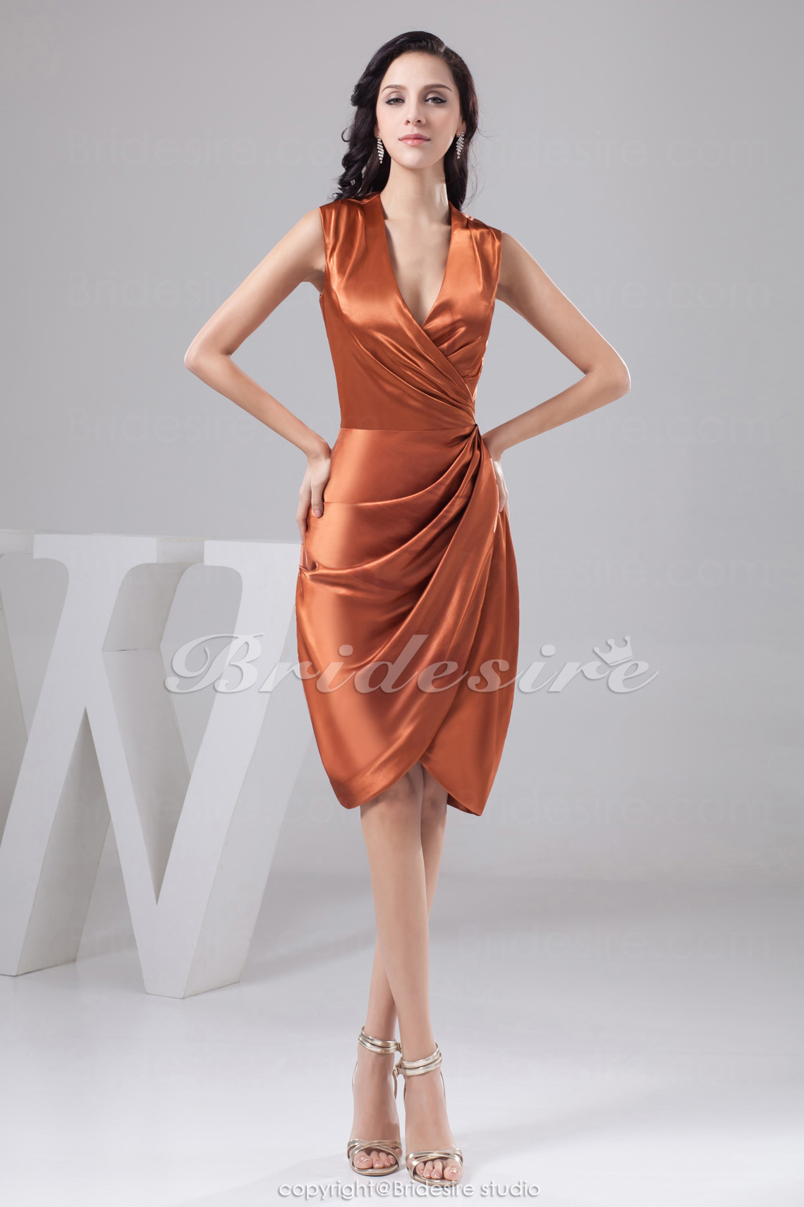 Sheath/Column V-neck Knee-length Sleeveless Satin Dress