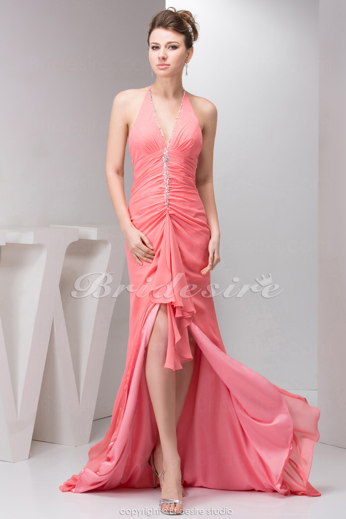 Sheath/Column Halter Sweep Train Sleeveless Chiffon Dress