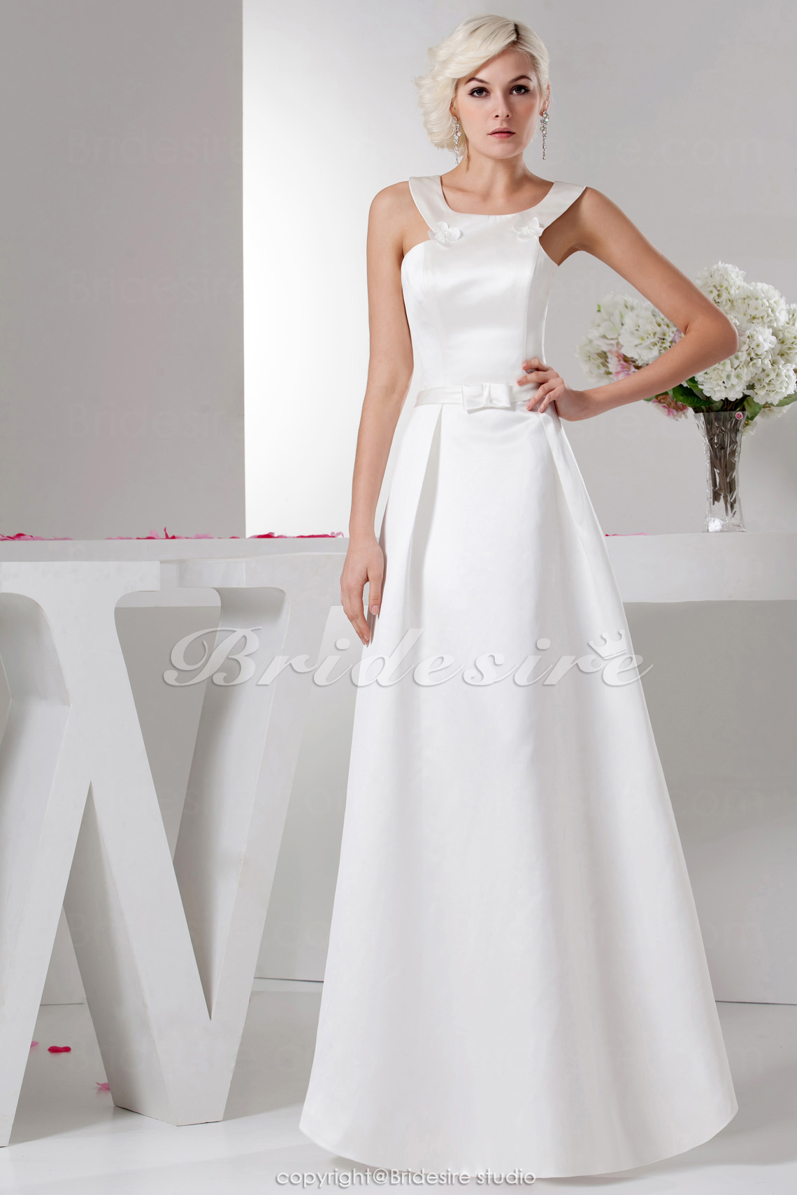 A-line Scoop Floor-length Sleeveless Satin Bridesmaid Dress