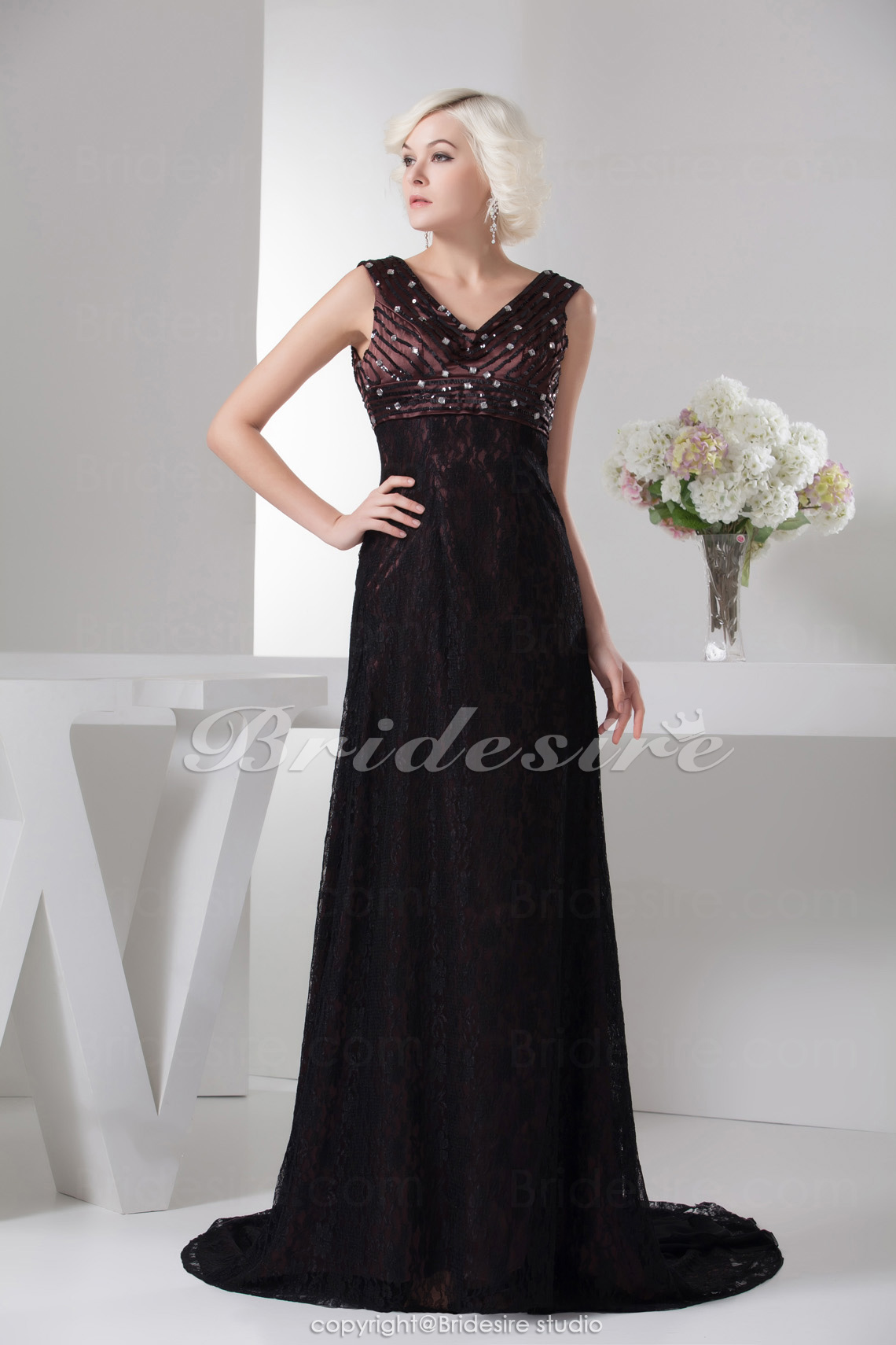A-line V-neck Floor-length Sweep Train Sleeveless Lace Chiffon Mother of the Bride Dress