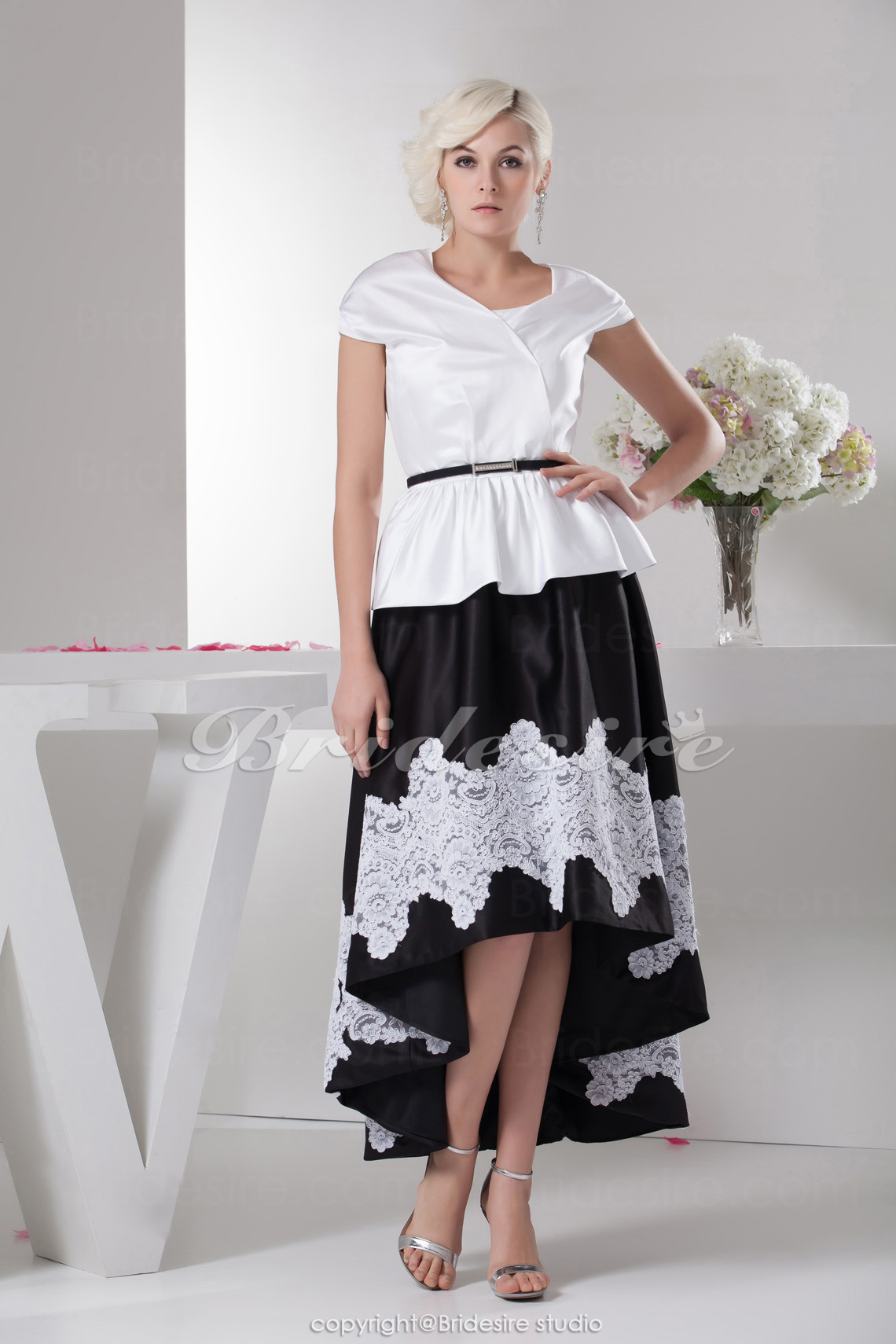 A-line Jewel Knee-length Short Sleeve Satin Dress