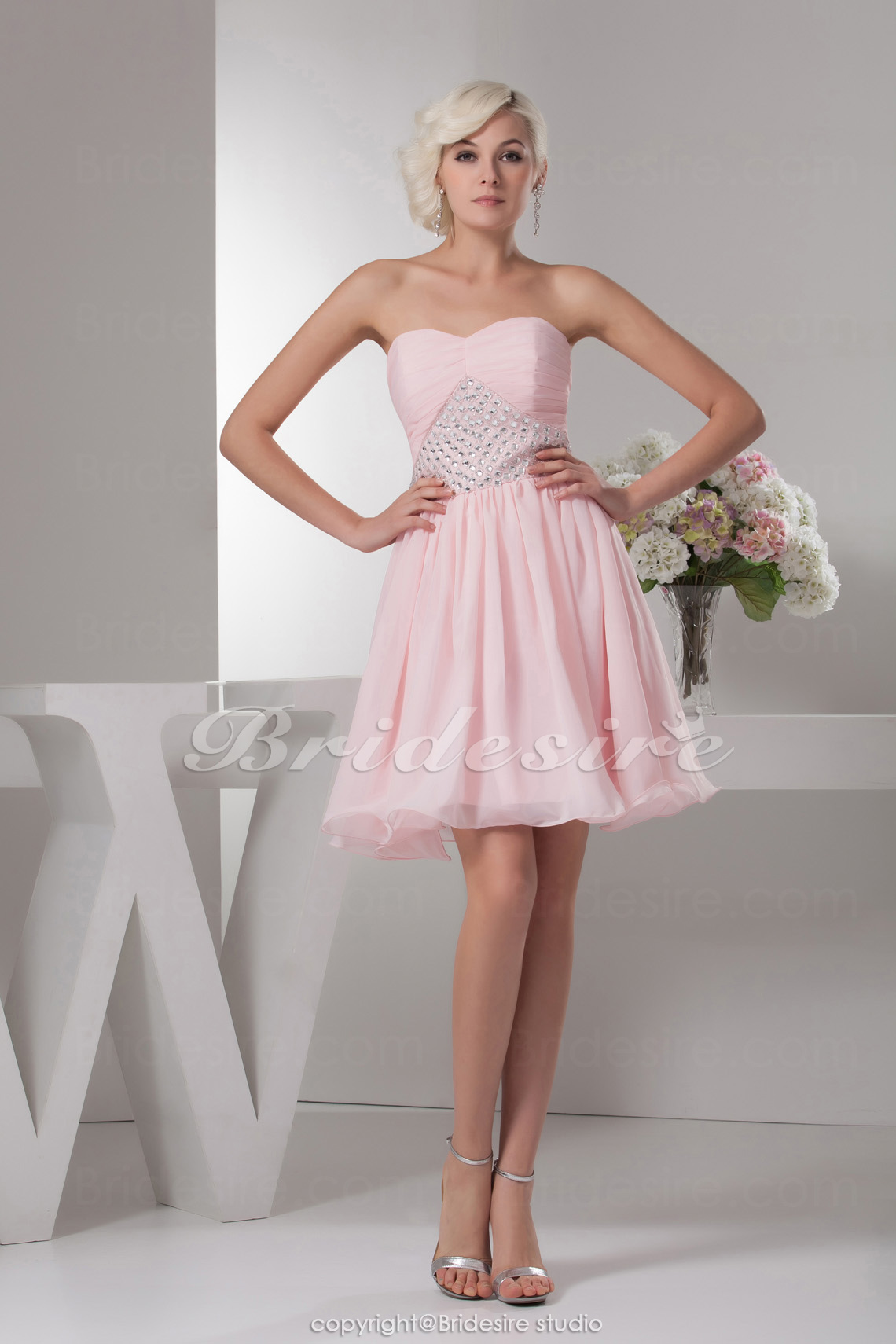 A-line Sweetheart Knee-length Sleeveless Chiffon Dress