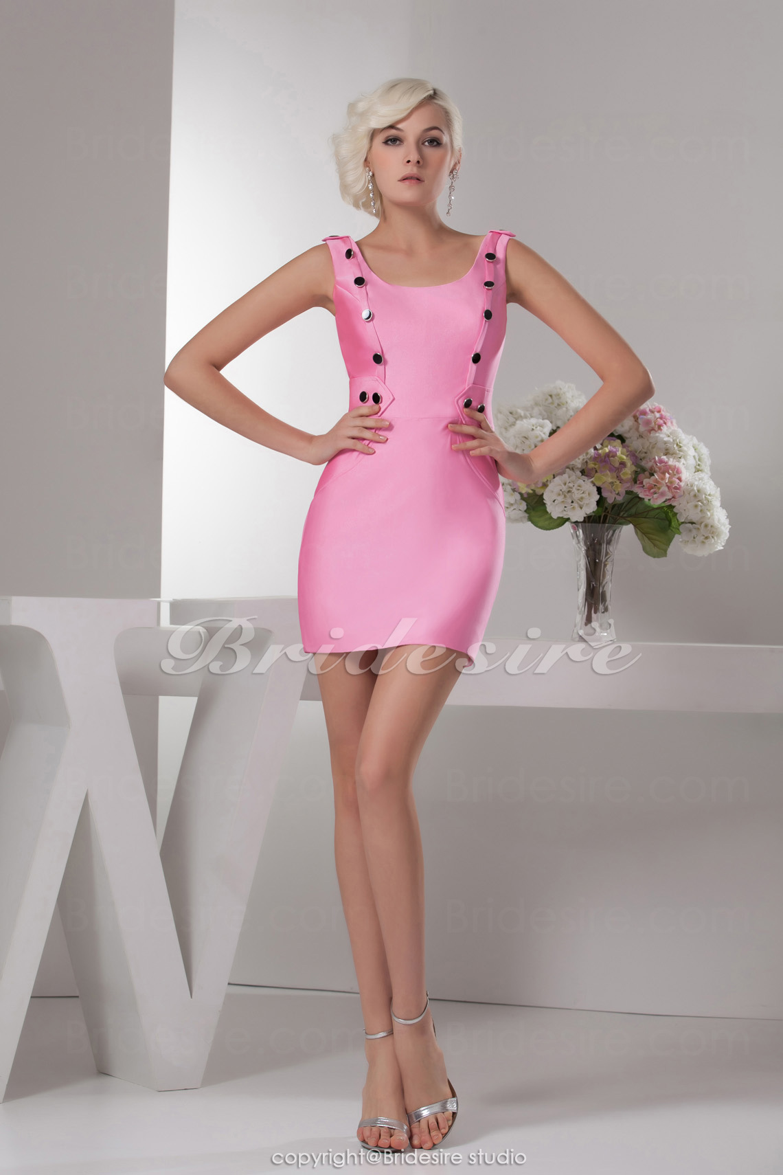 Sheath/Column Scoop Short/Mini Sleeveless Satin Dress