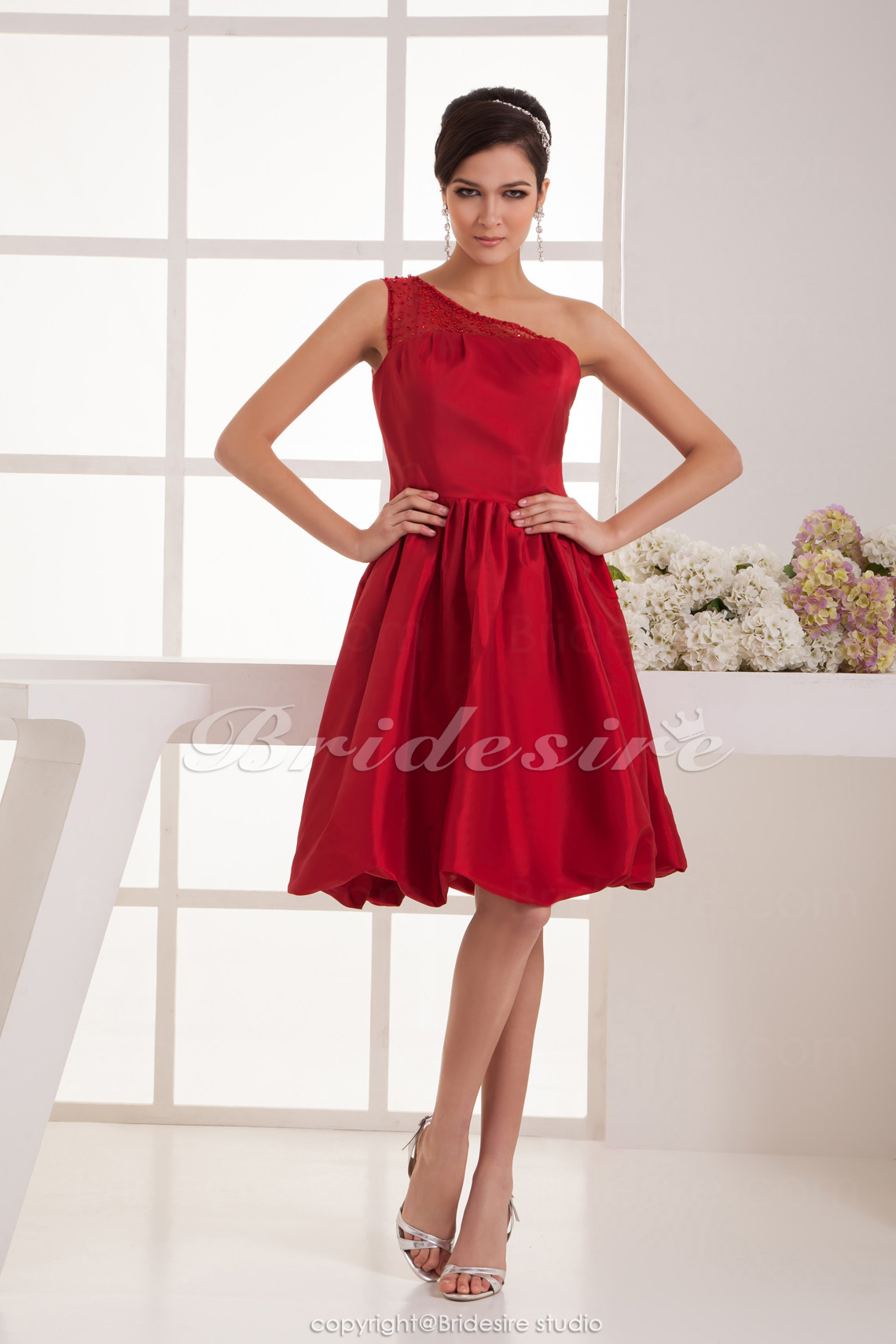 A-line One Shoulder Knee-length Sleeveless Satin Bridesmaid Dress