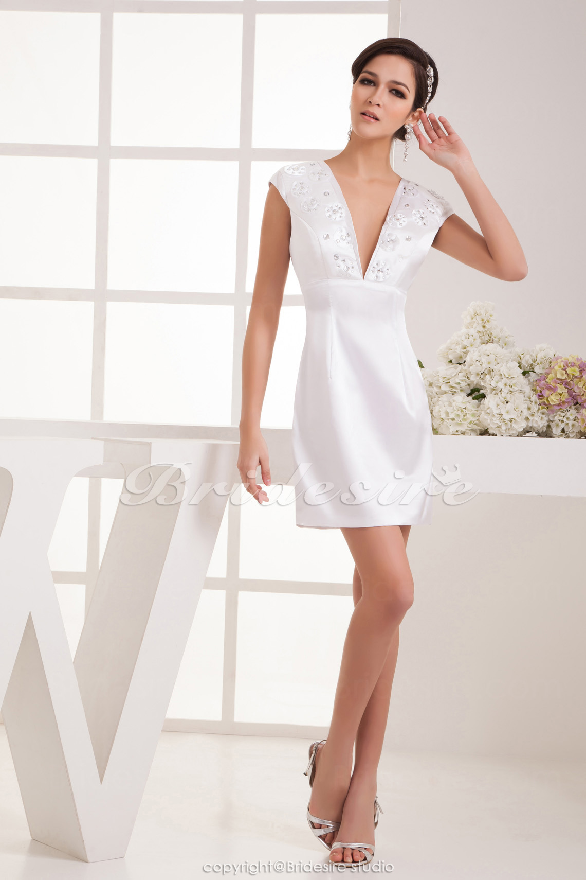 A-line V-neck Knee-length Sleeveless Satin Dress