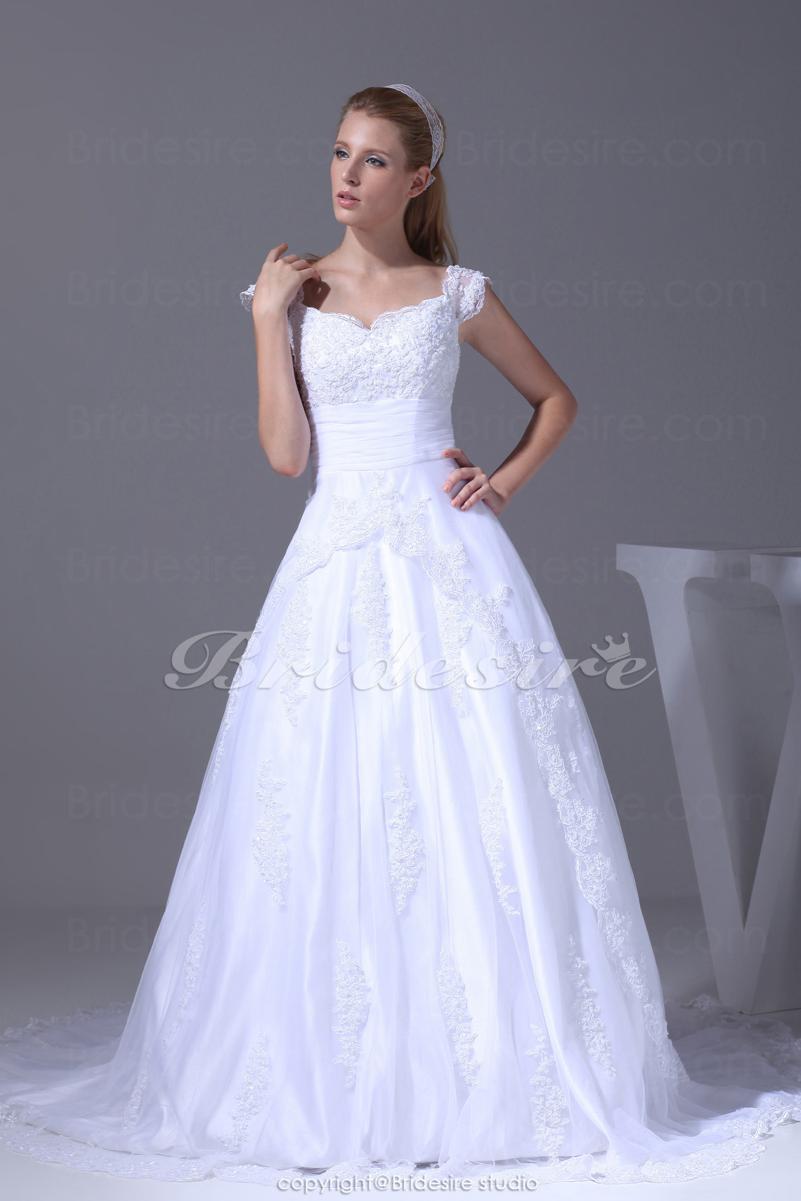 Ball Gown Straps Court Train Sleeveless Lace Wedding Dress