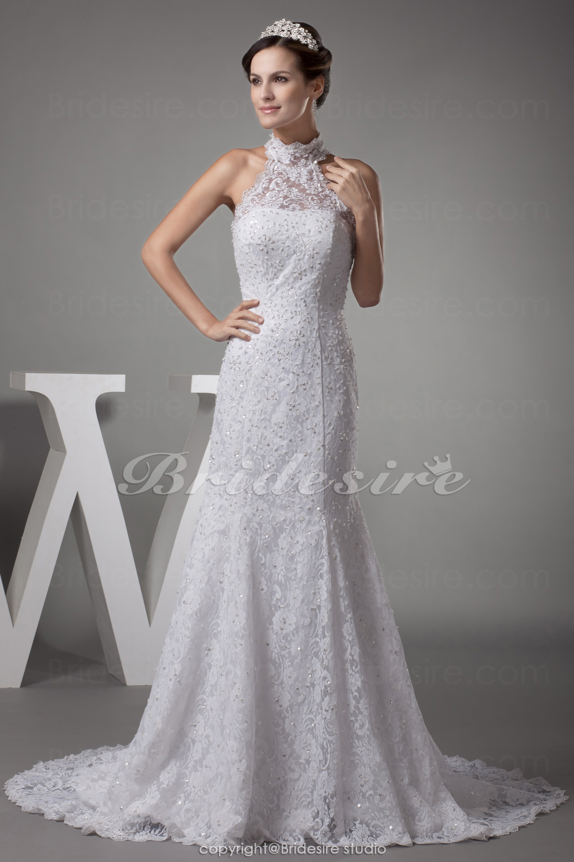 Trumpet/Mermaid High Neck Sweep Train Sleeveless Lace Wedding Dress