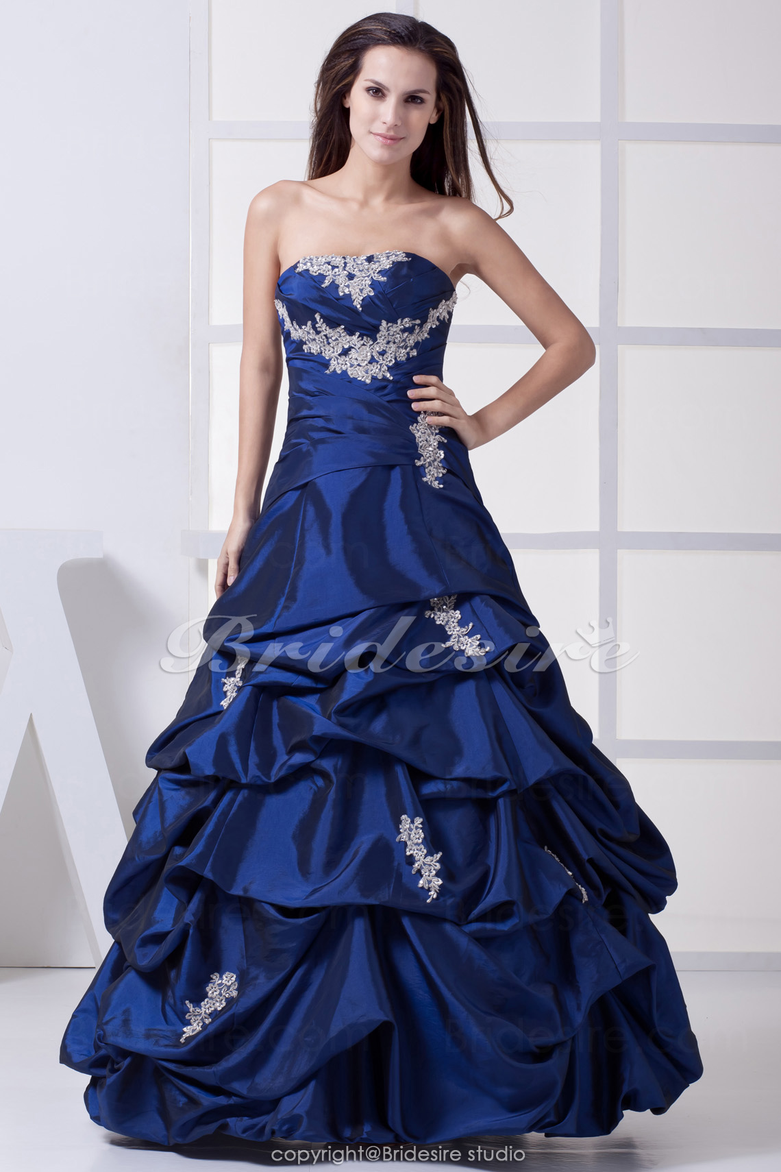 Ball Gown Strapless Floor-length Sleeveless Taffeta Dress