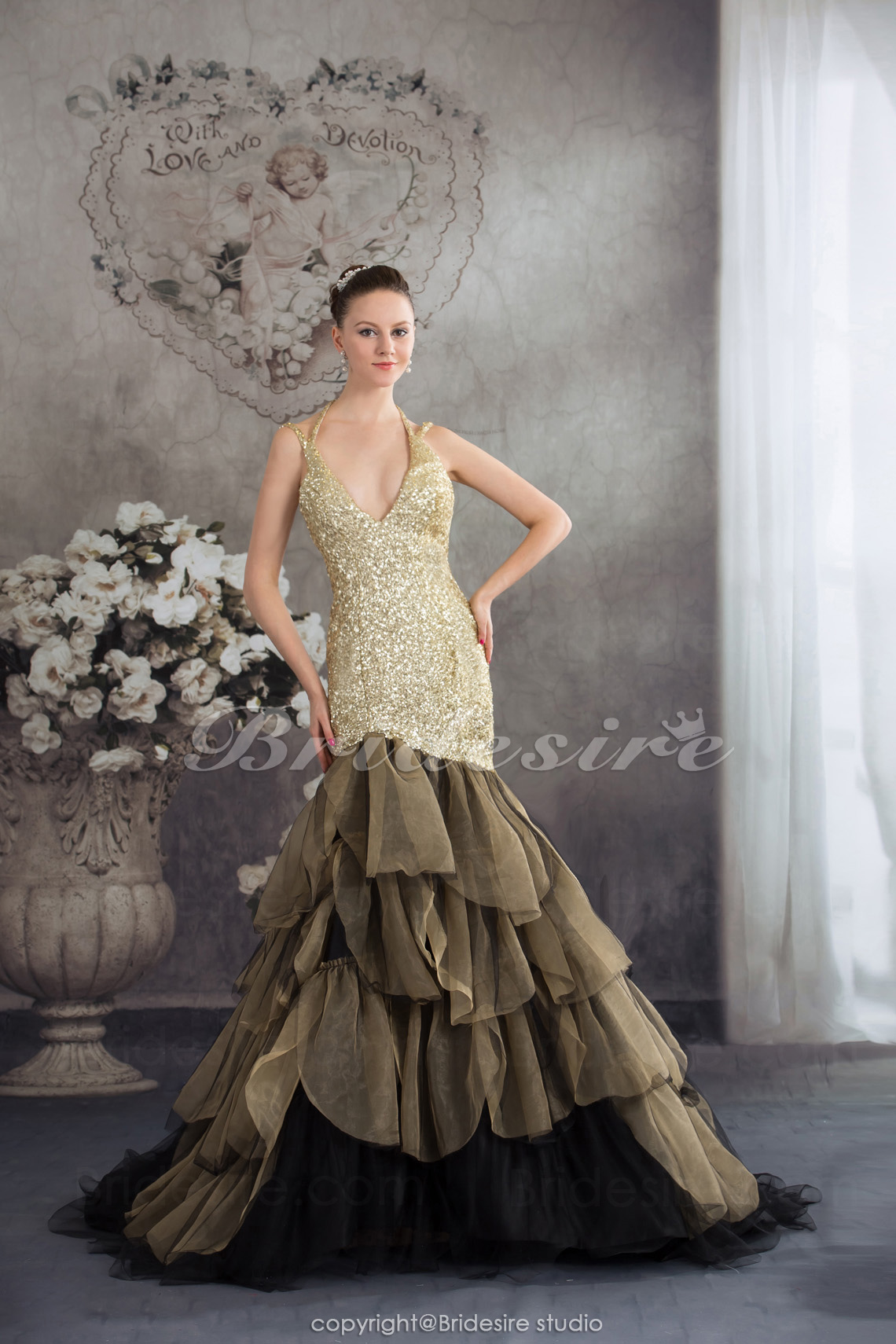 Trumpet/Mermaid Halter Chapel Train Sleeveless Organza Dress