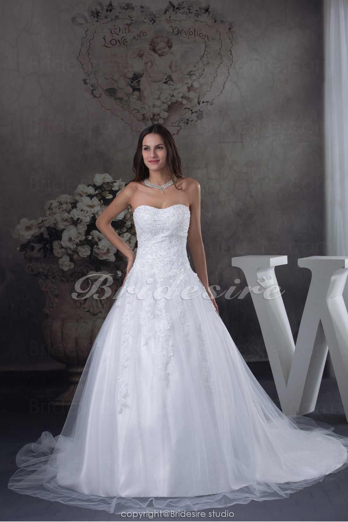 A-line Strapless Chapel Train Sleeveless Tulle Wedding Dress