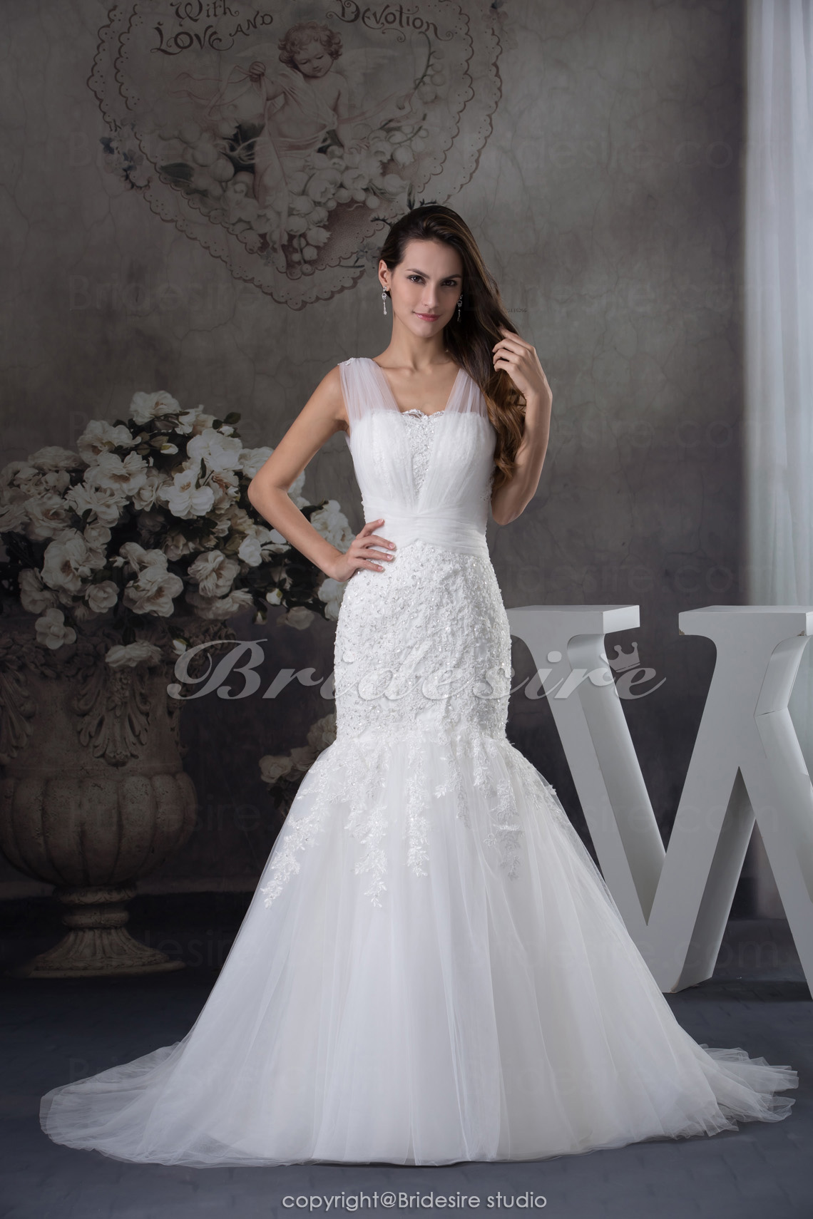 Trumpet/Mermaid Straps Sweep Train Sleeveless Tulle Wedding Dress