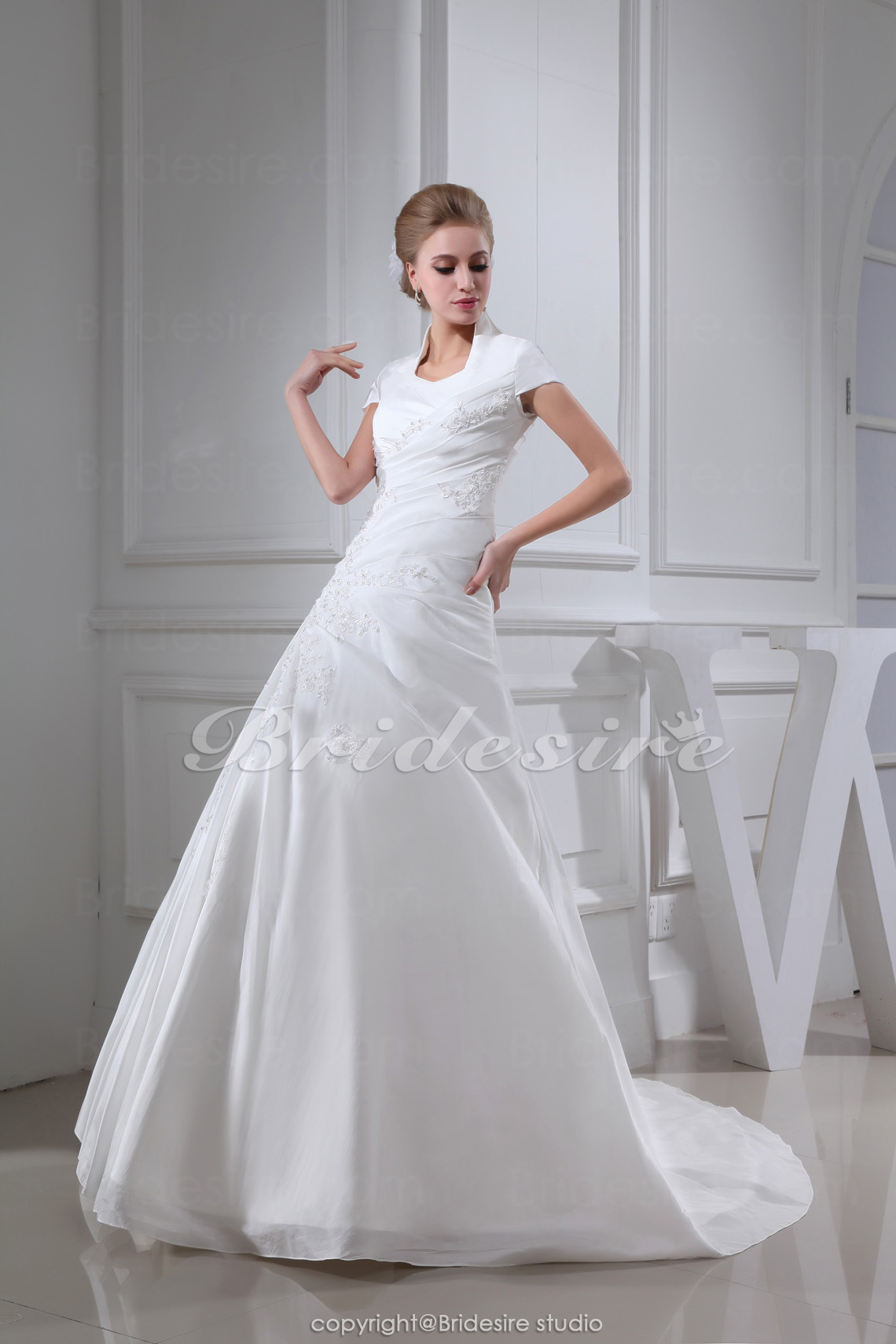 Ball Gown   Court Train Short Sleeve Satin Wedding Dress
