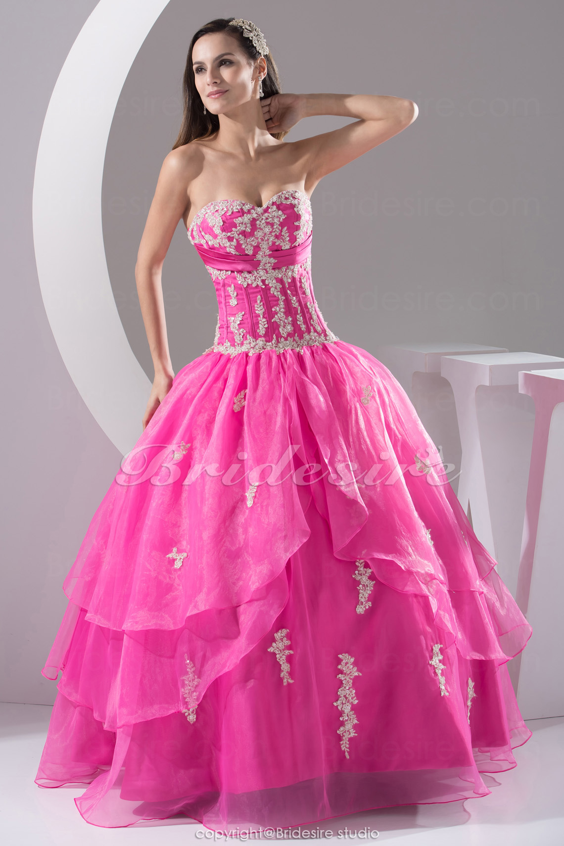 Ball Gown Sweetheart Floor-length Sleeveless Organza Dress