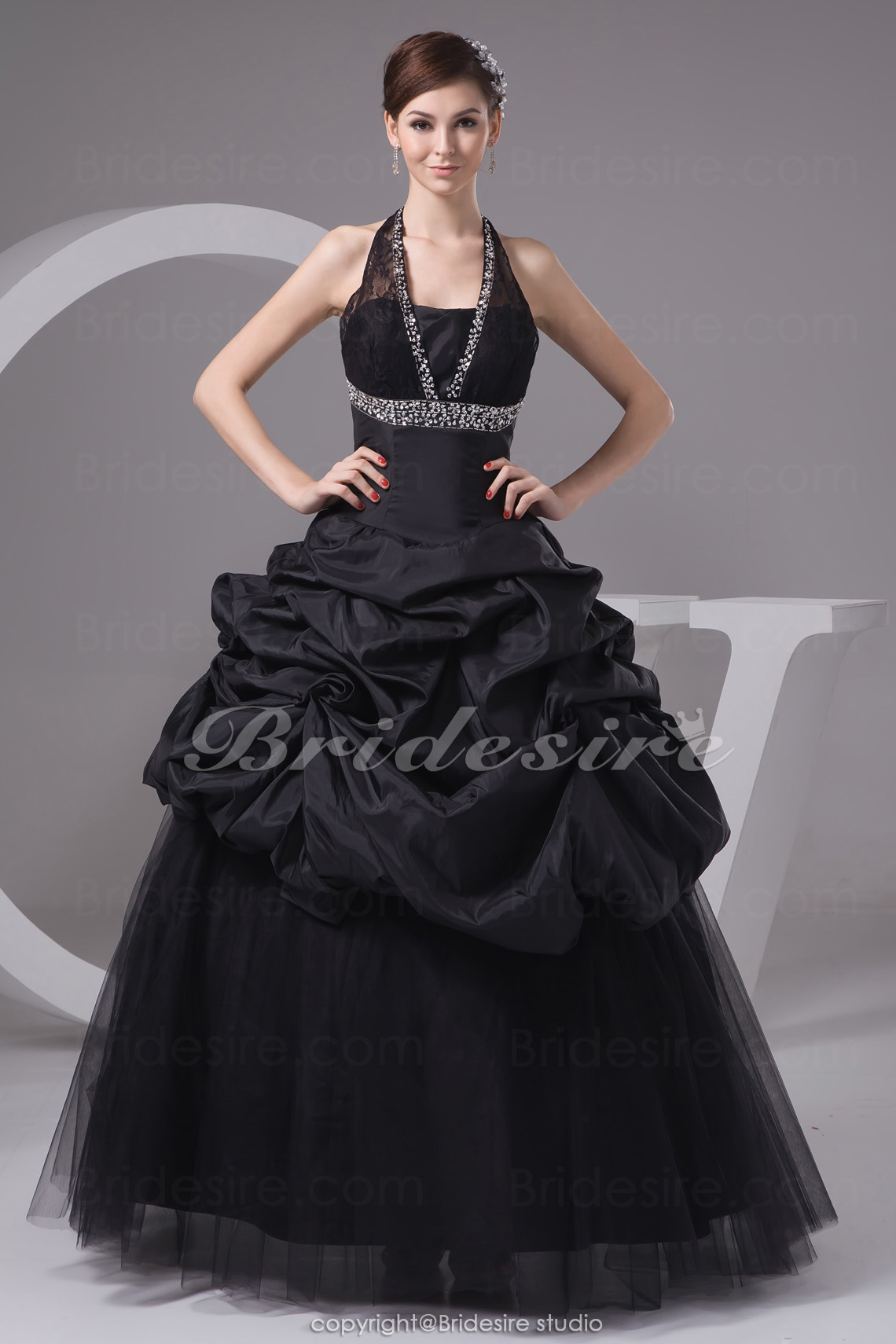 Ball Gown Halter Floor-length Sleeveless Taffeta Tulle Lace Dress