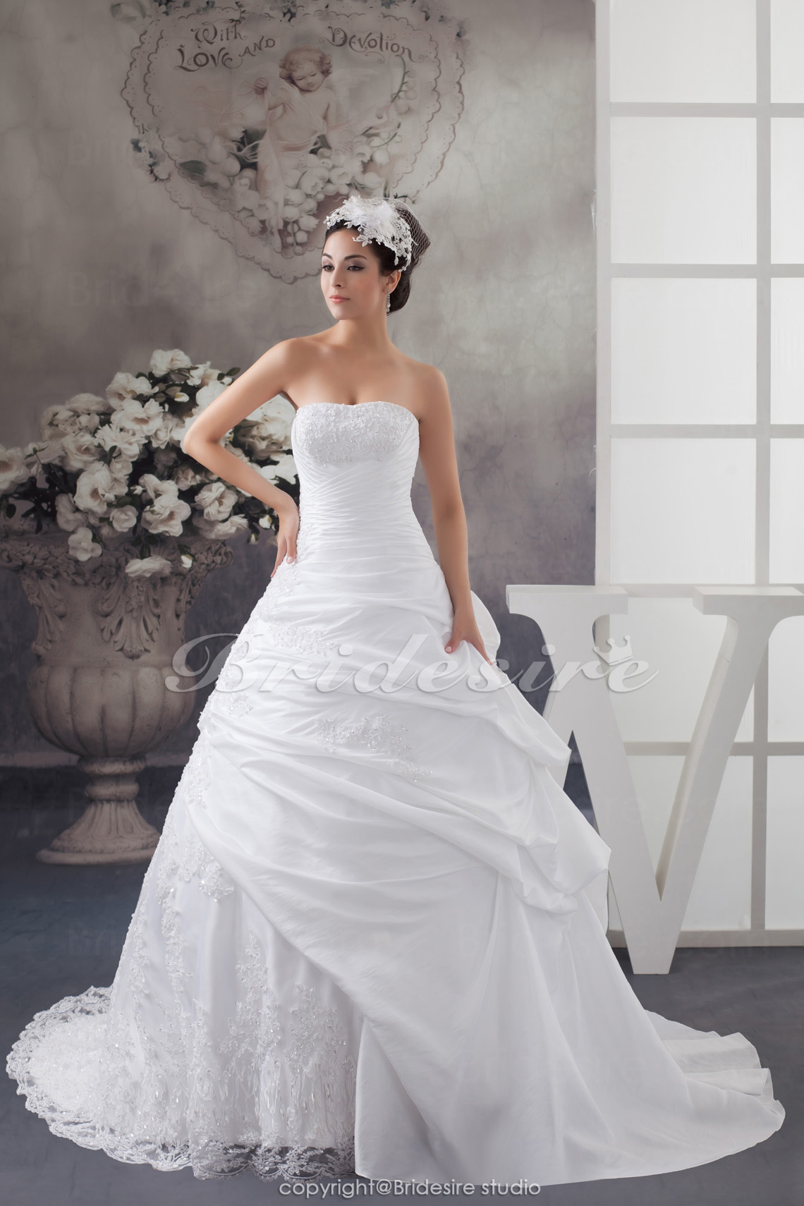 Ball Gown Strapless Court Train Sleeveless Taffeta Lace Wedding Dress