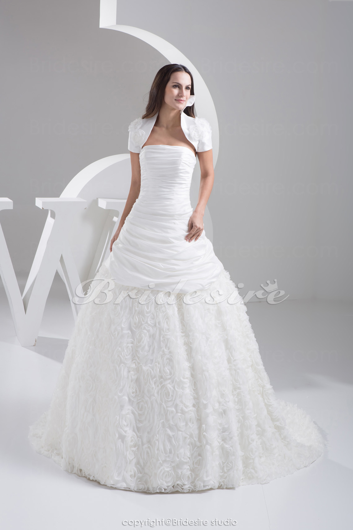 Ball Gown Strapless Court Train Sleeveless Taffeta Wedding Dress