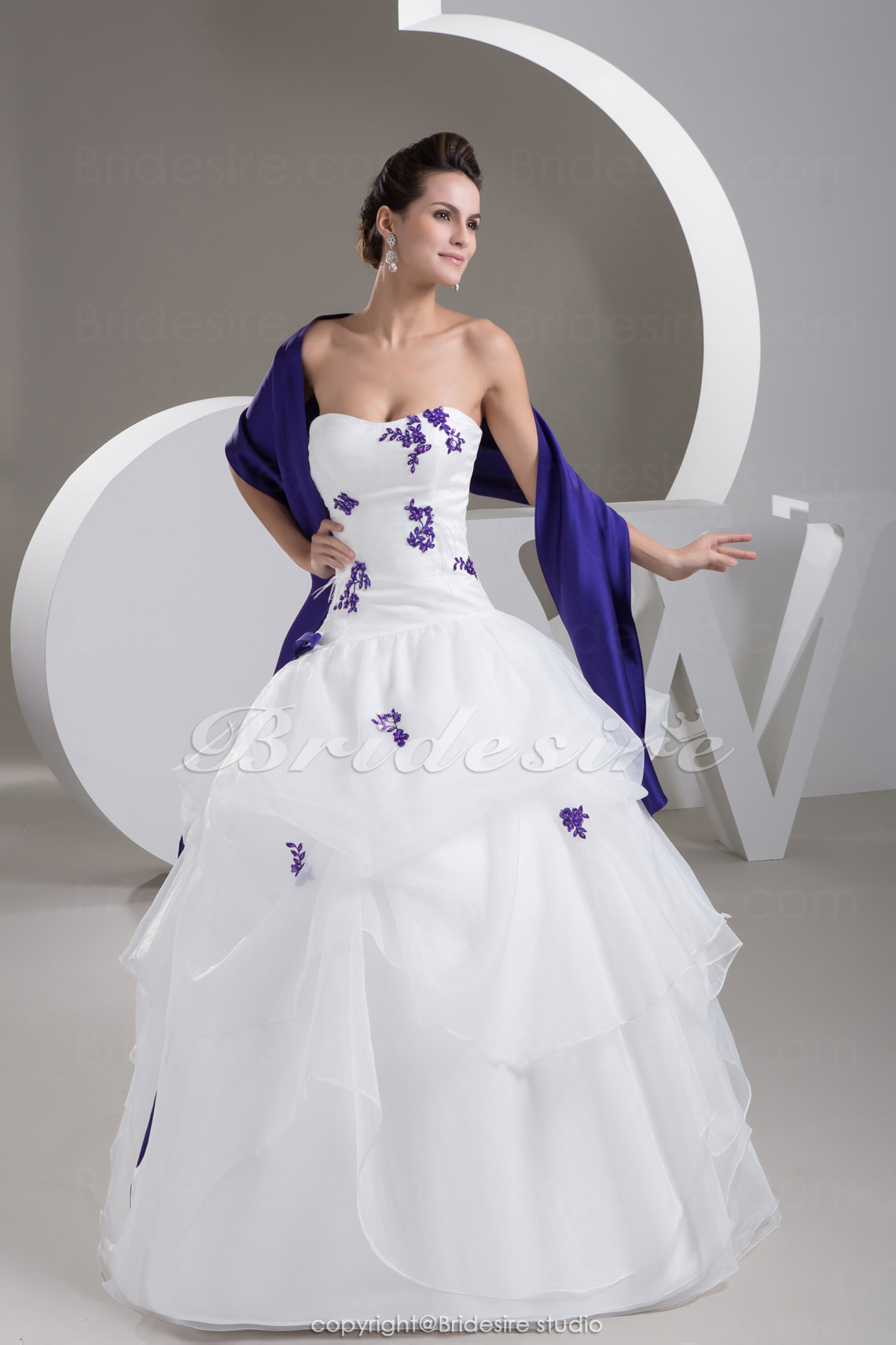 Ball Gown Strapless Floor-length Sleeveless Satin Organza Wedding Dress