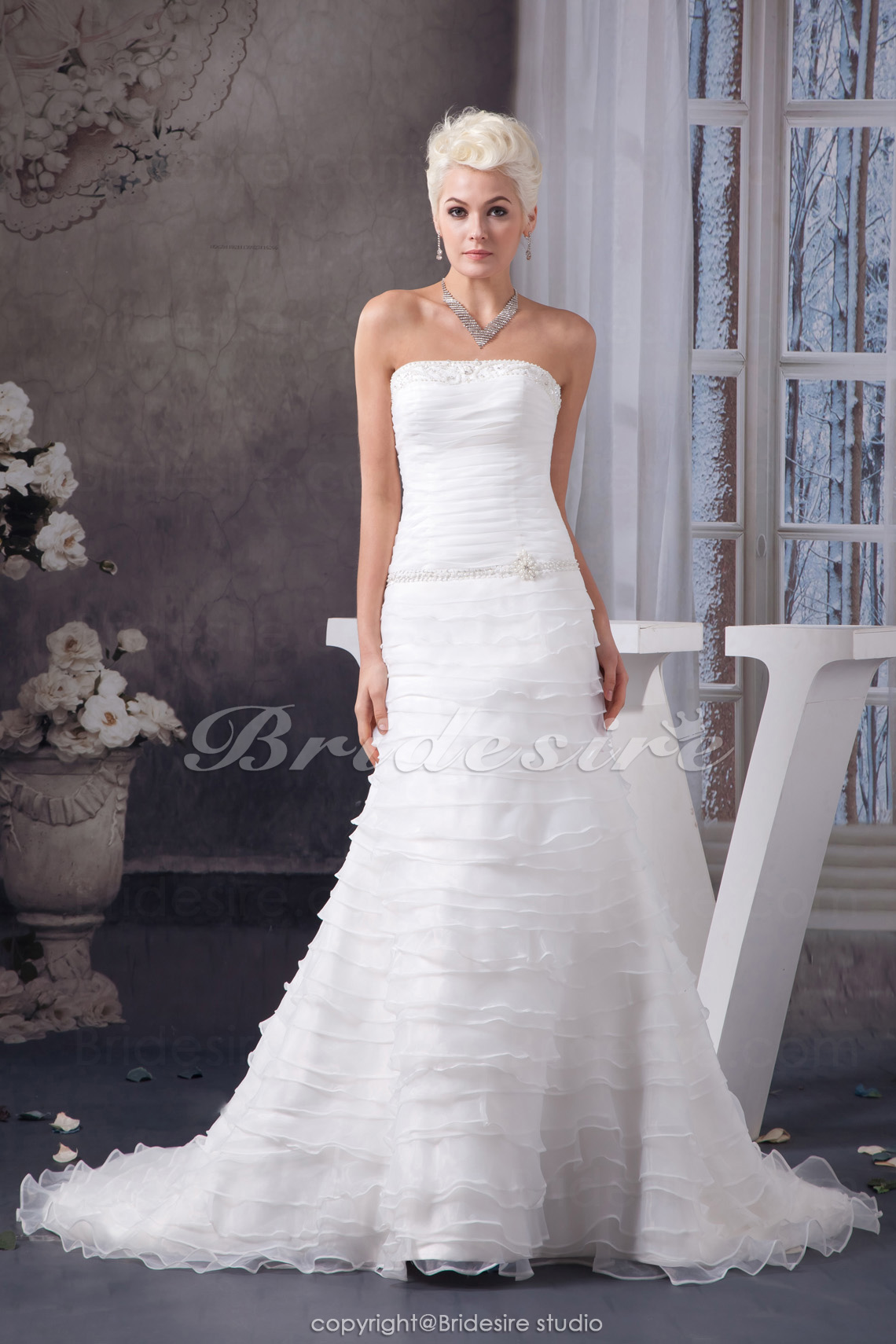 A-line Strapless Court Train Sleeveless Organza Wedding Dress