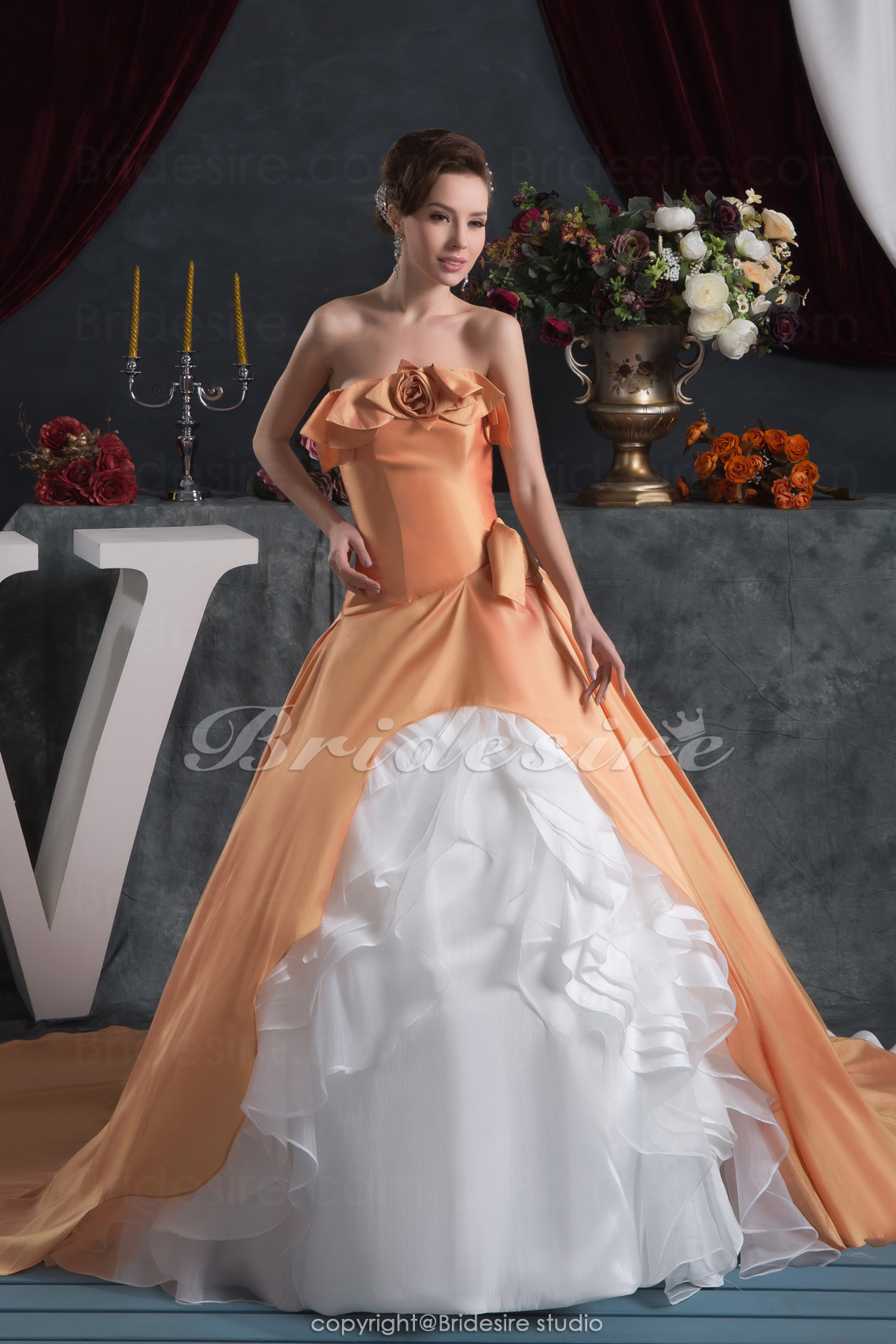 Ball Gown Strapless Floor-length Chapel Train Sleeveless Satin Dress