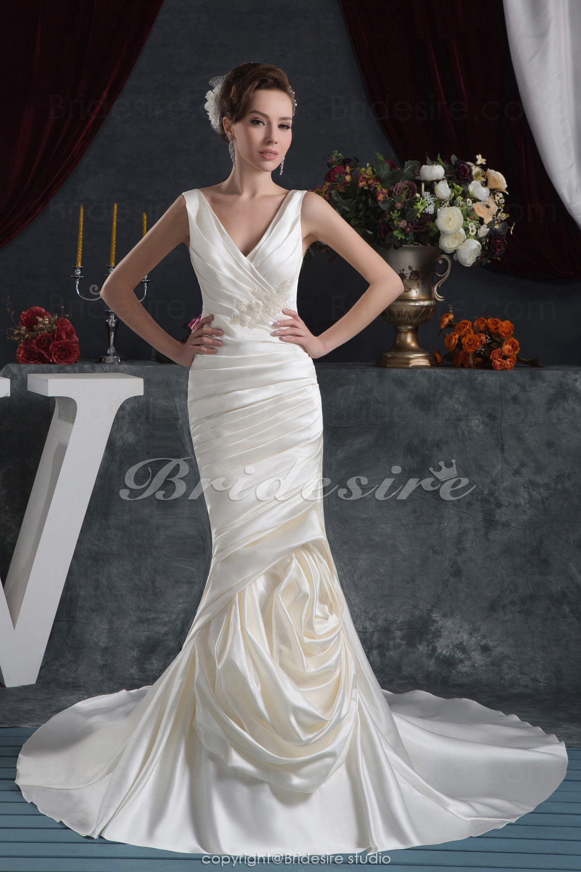 Trumpet/Mermaid V-neck Floor-length Court Train Sleeveless Satin Wedding Dress