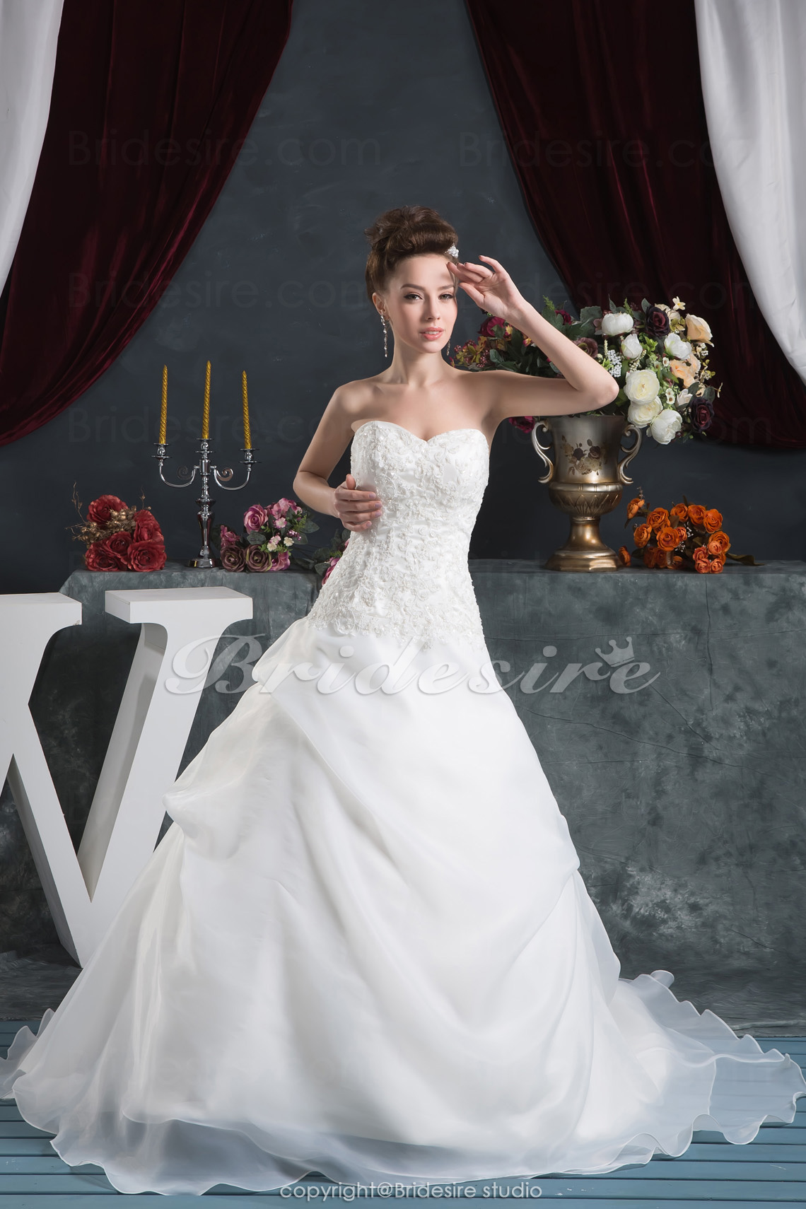 A-line Sweetheart Floor-length Sleeveless Satin Organza Wedding Dress