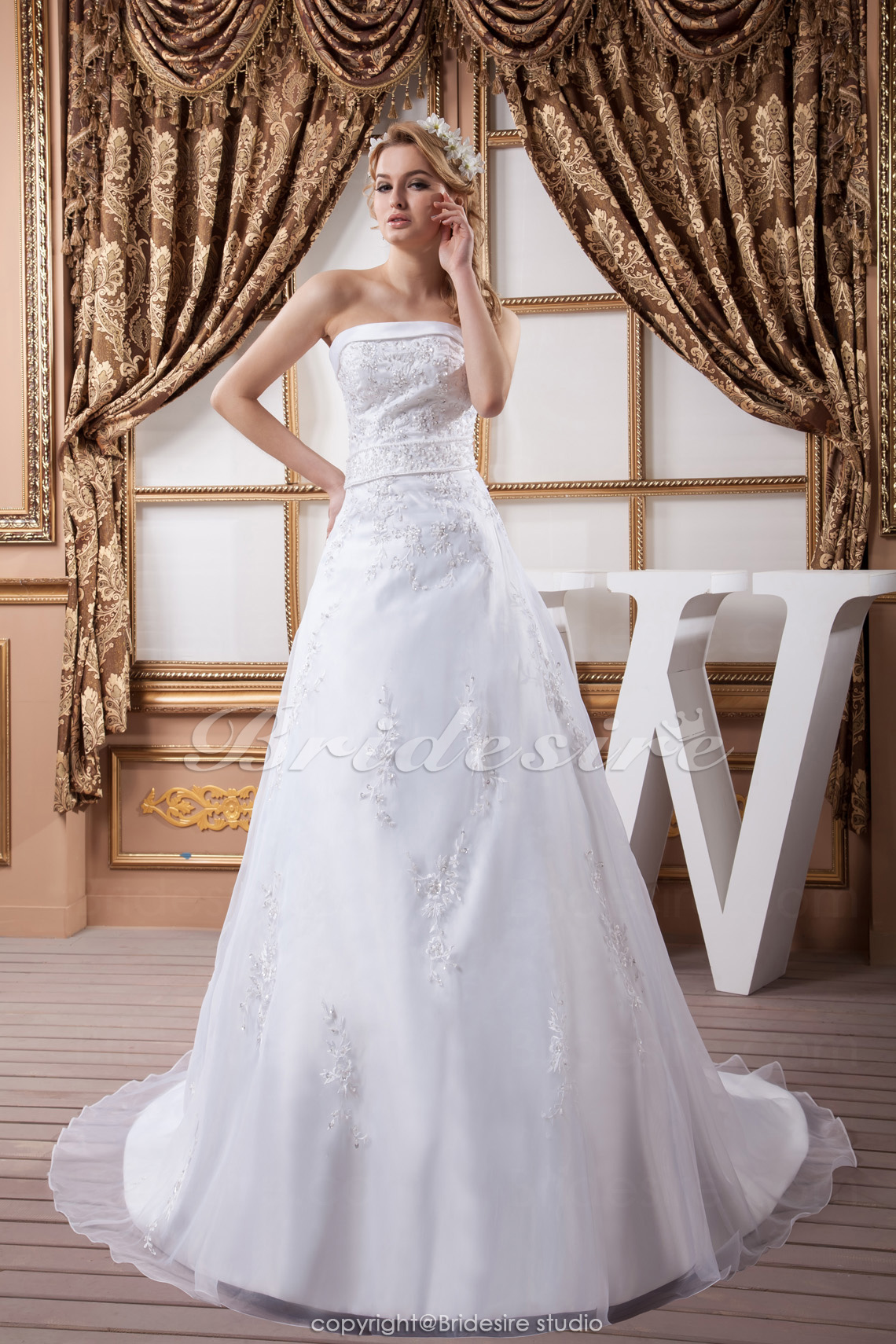 A-line Strapless Floor-length Court Train Sleeveless Satin Wedding Dress