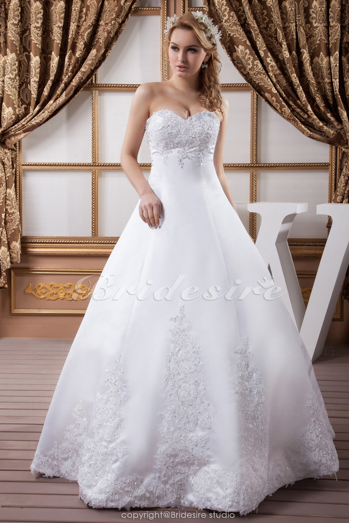 A-line Sweetheart Floor-length Sleeveless Satin Wedding Dress