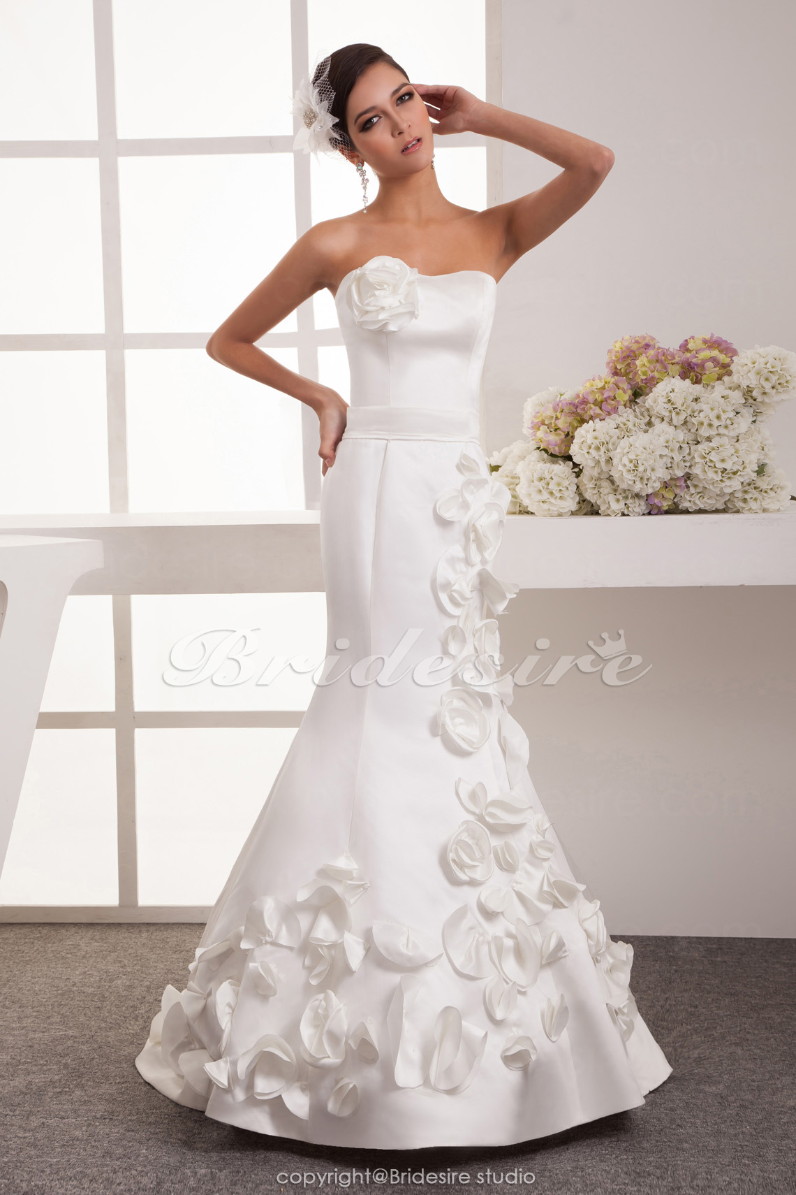 Trumpet/Mermaid Sweetheart Floor-length Sleeveless Satin Wedding Dress