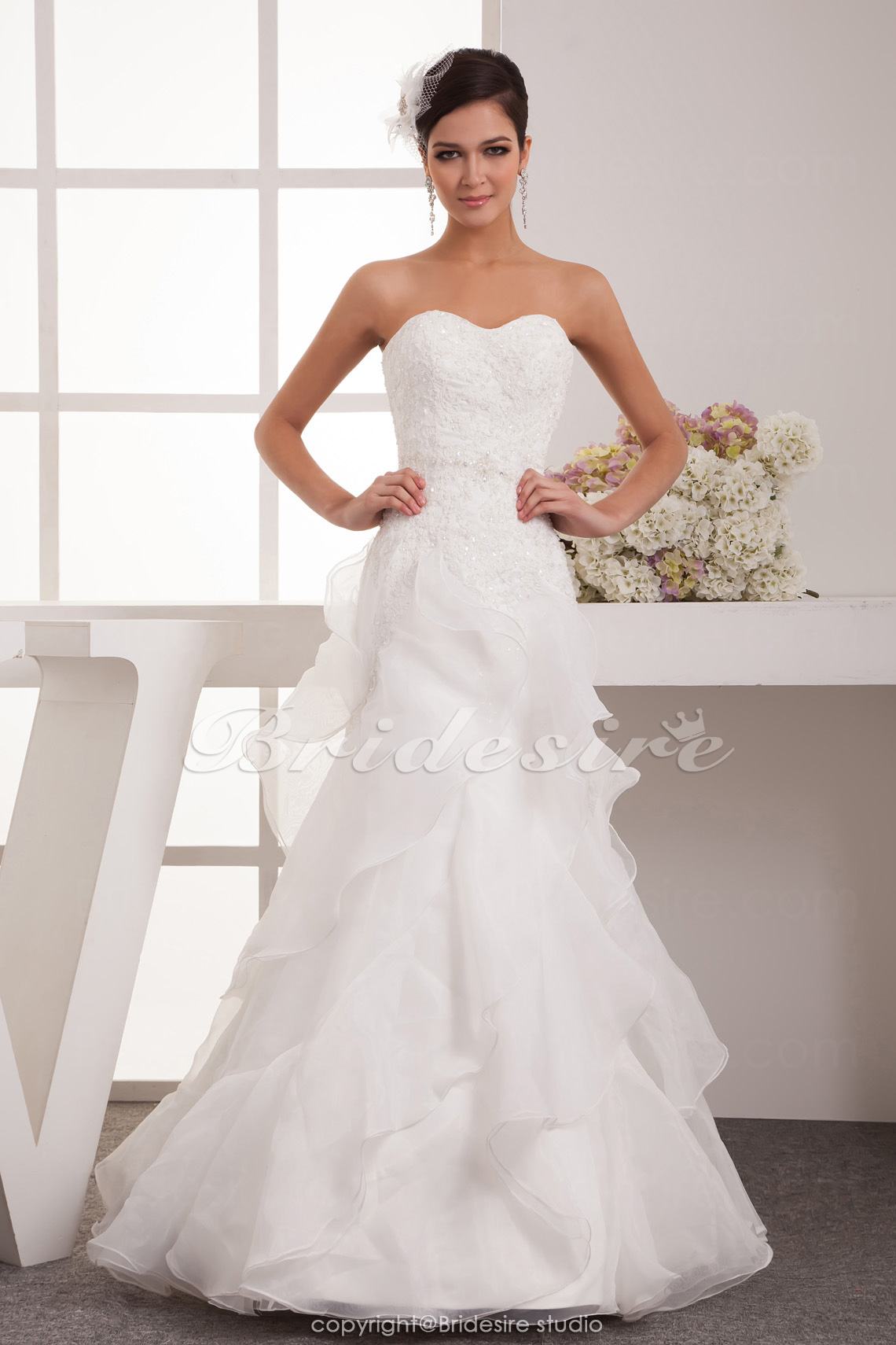 A-line Sweetheart Floor-length Sleeveless Satin Chiffon Wedding Dress