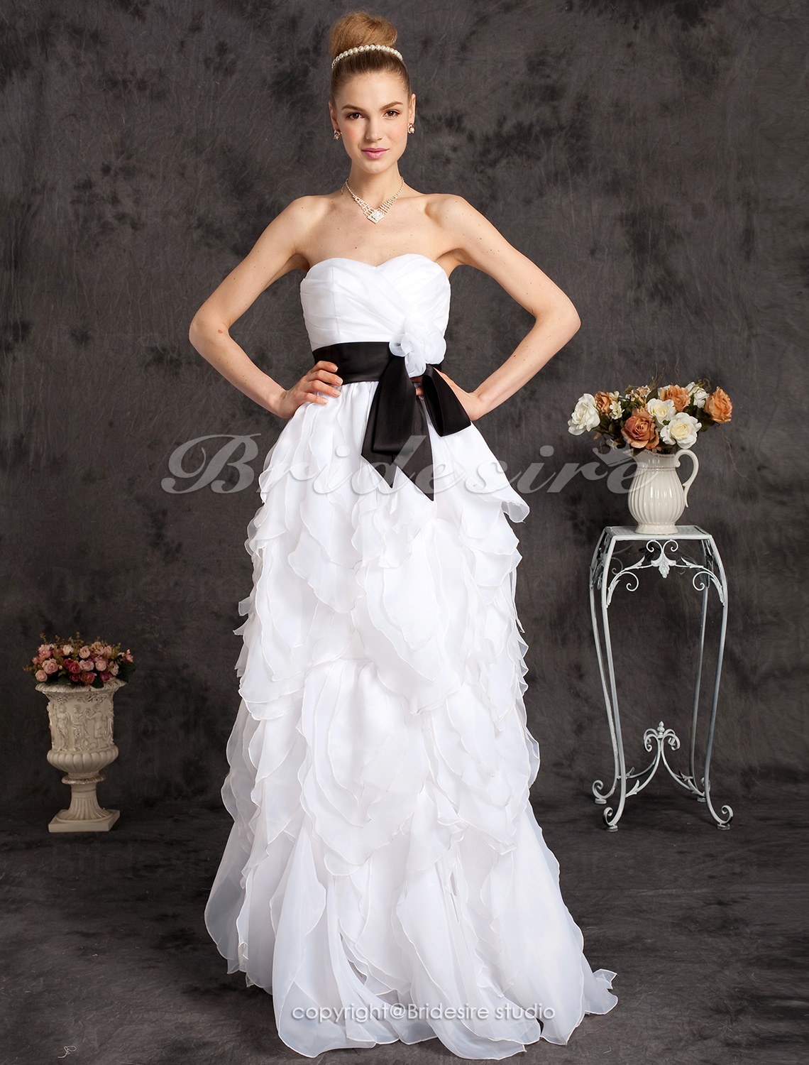A-line Floor-length Organza Sweetheart Strapless Princess Wedding Dress