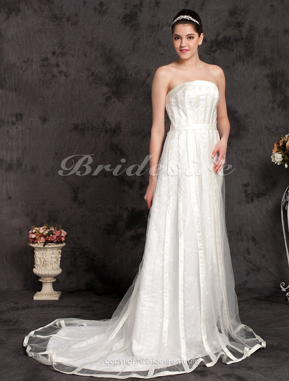 A-line Tulle Sweep/Brush Train Strapless Wedding Dress