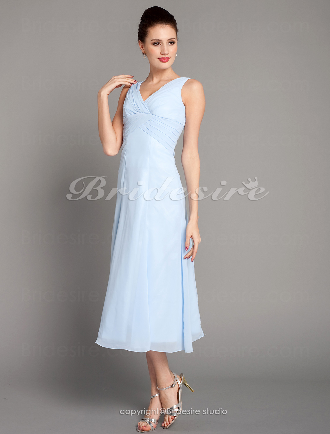 A-line Knee-length Chiffon V-neck Bridesmaid/ Wedding Party Dress With Criss-Cross Bodice
