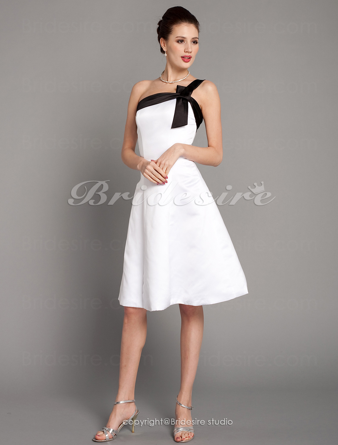 A-line Satin Knee-length One Shoulder Bridesmaid Dress