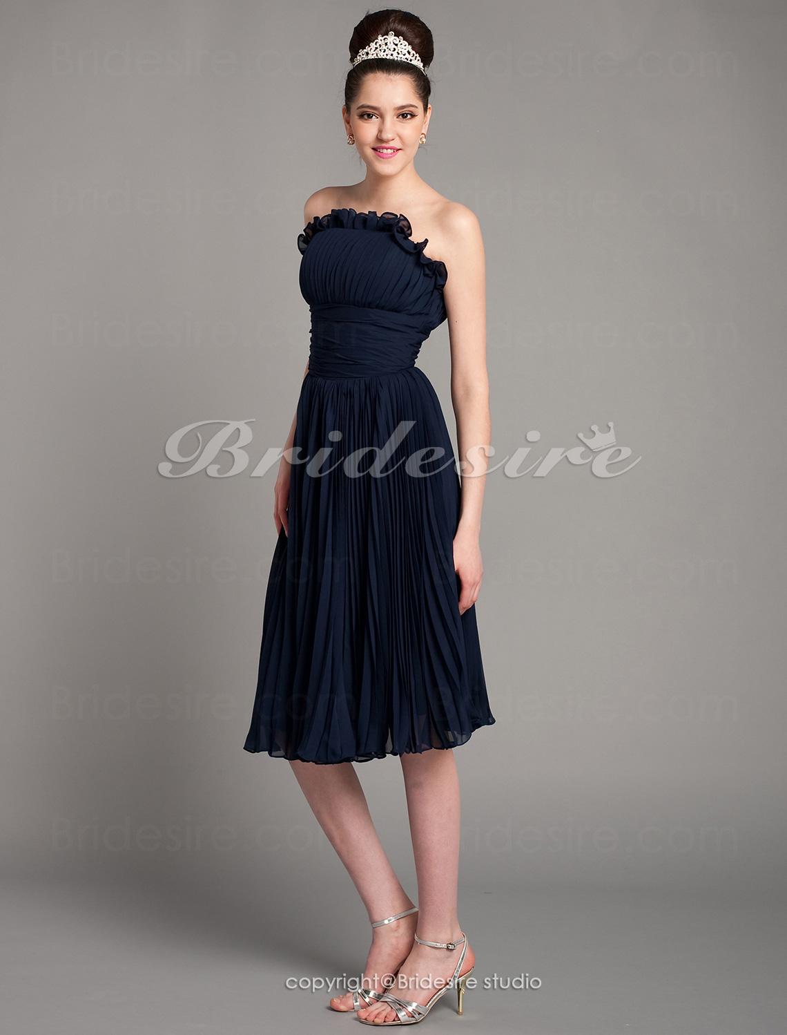 A-line Princess Knee-length Chiffon Strapless Cocktail Dress