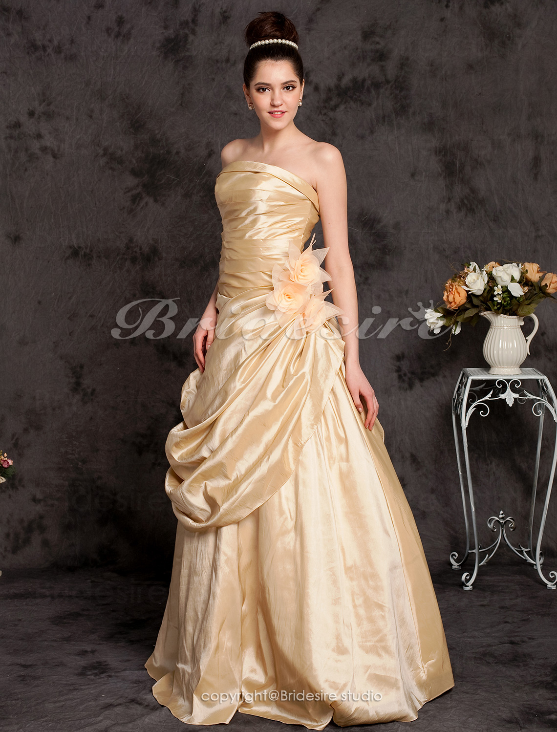 A-line Taffeta Floor-length Strapless Wedding Dress