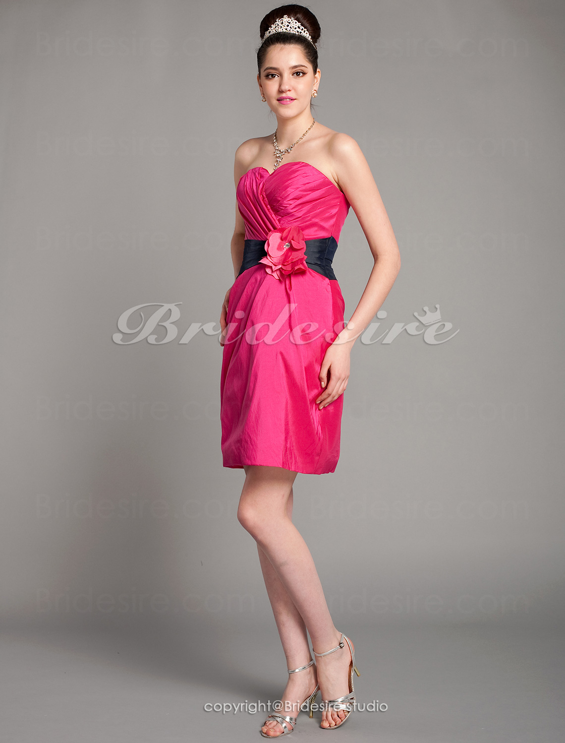 Sheath/Column Taffeta Short/Mini Sweetheart Bridesmaid Dress