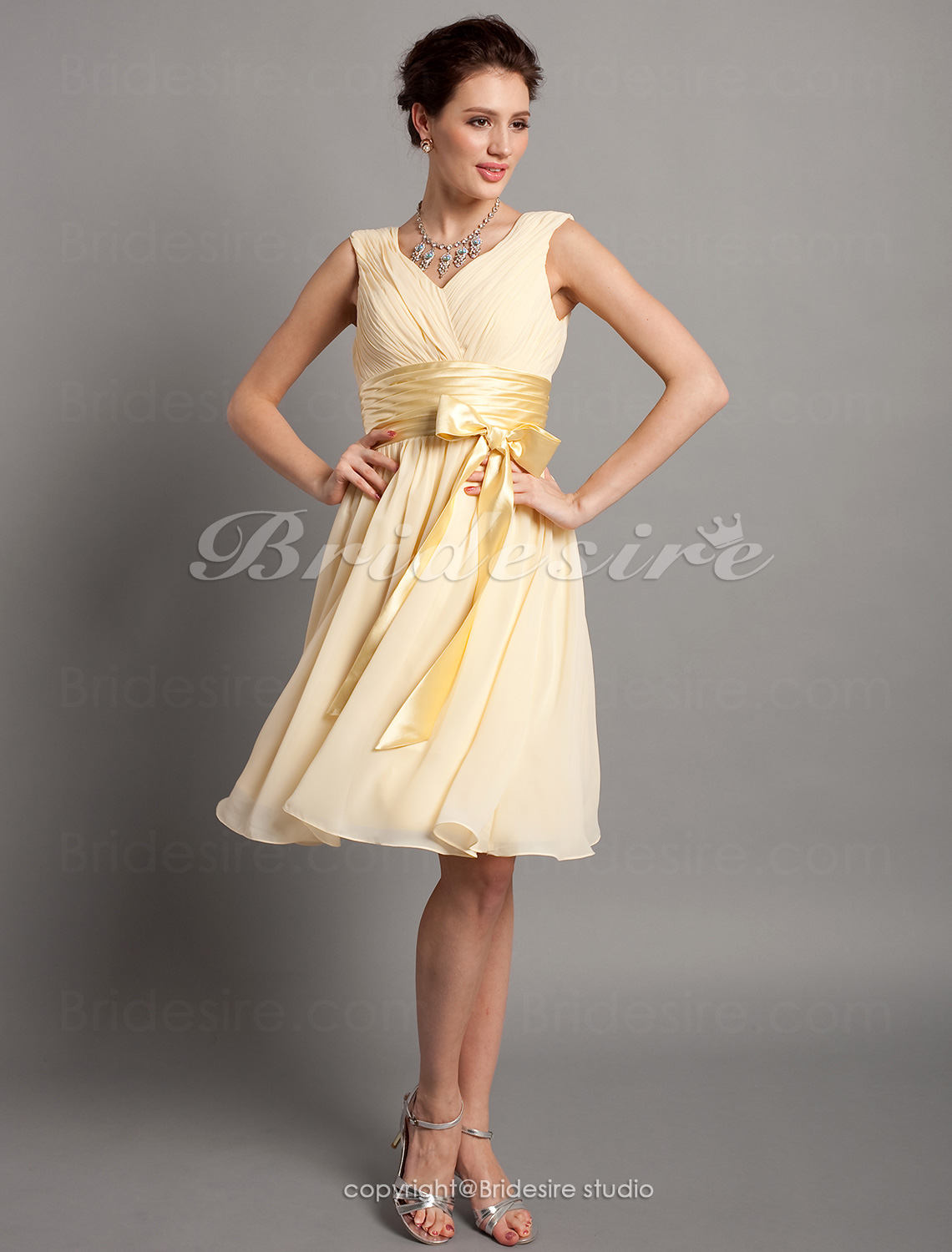 A-line Knee-length Chiffon Elastic Woven Satin V-neck Bridesmaid Dress