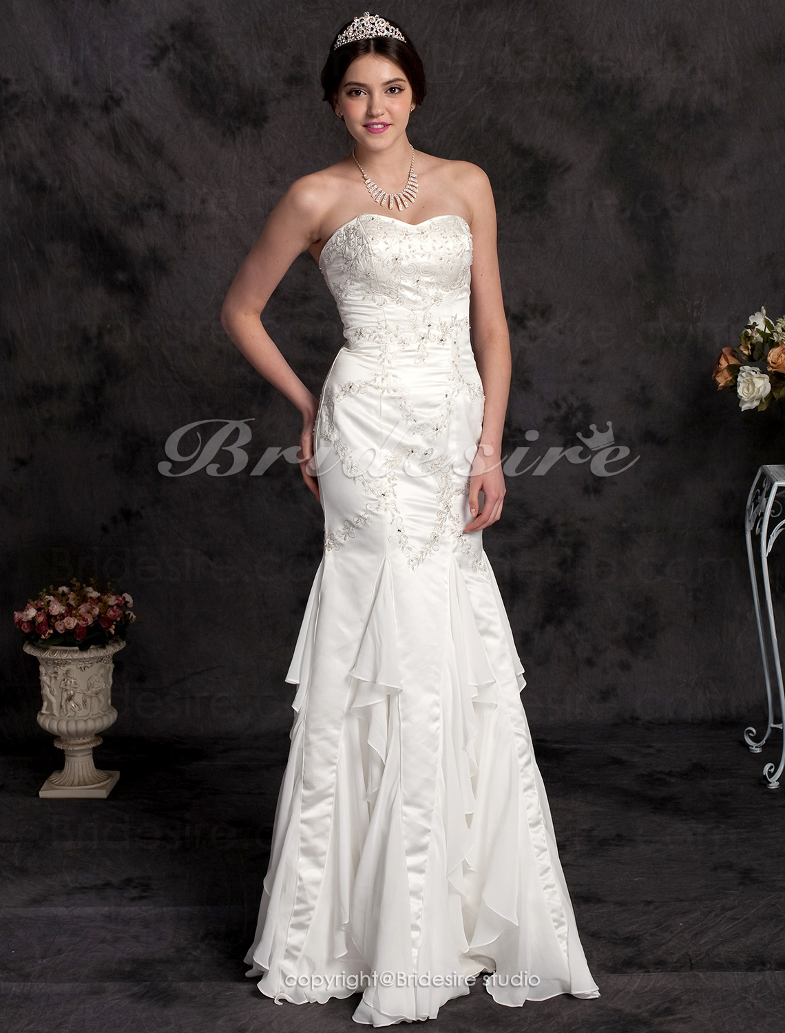 Trumpet/Mermaid Satin Strapless Floor-length Wedding Dress