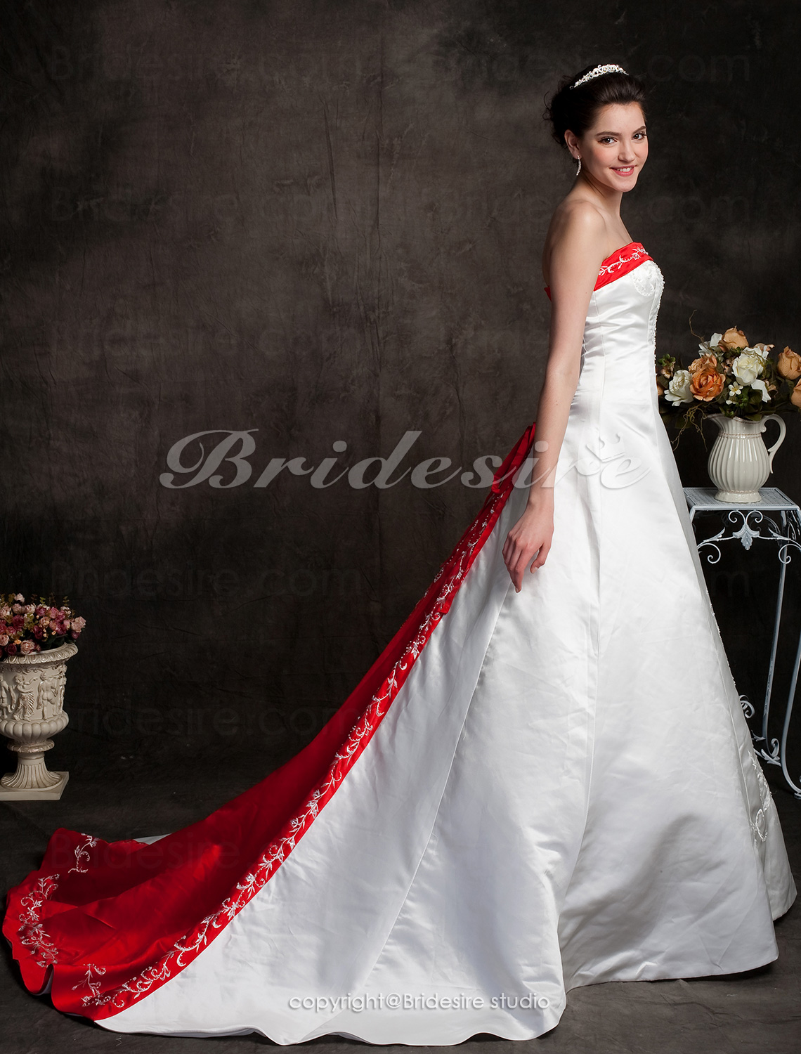 A-line Chapel Train Strapless Wedding Dress