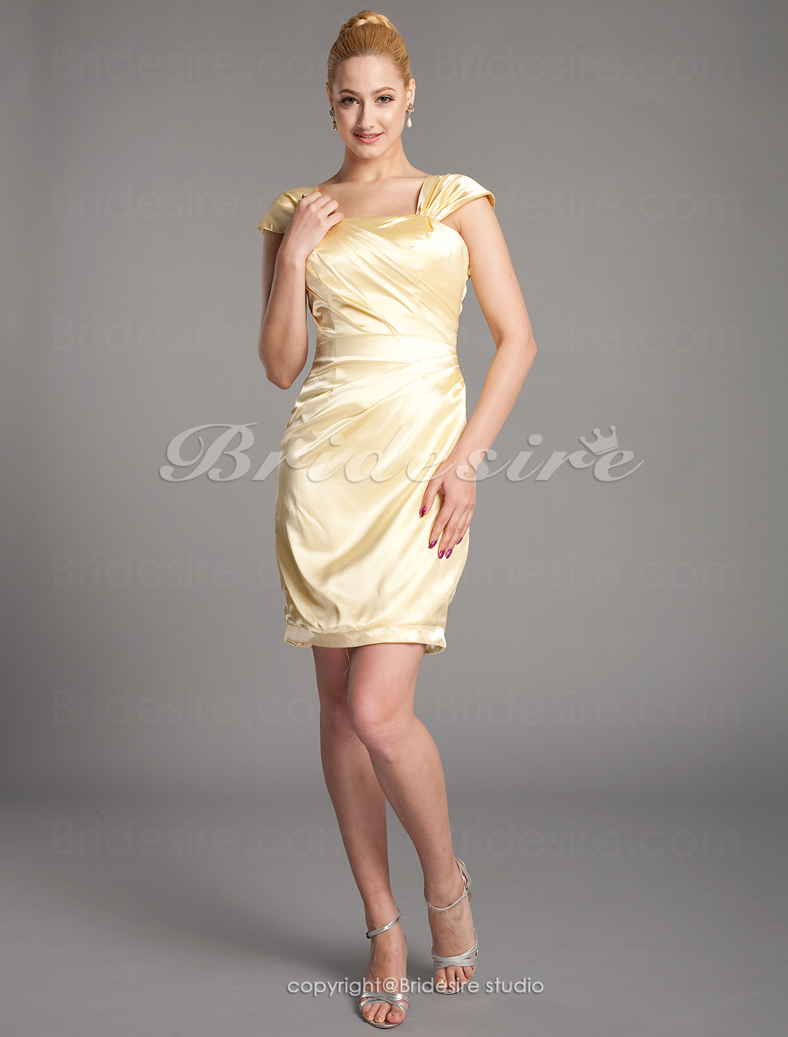 Sheath/ Column Stretch Satin Knee-length Square Mother of the Bride Dress