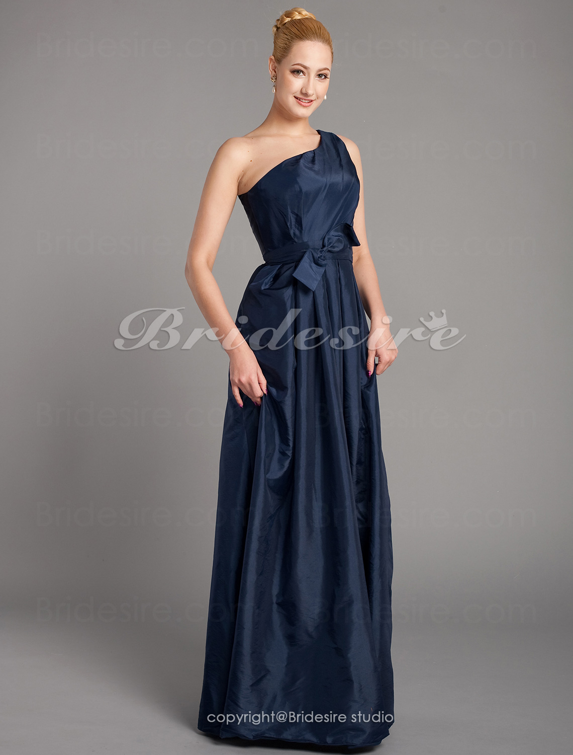 A-line Taffeta Floor-length One Shoulder Mother of the Bride Dress With Bow