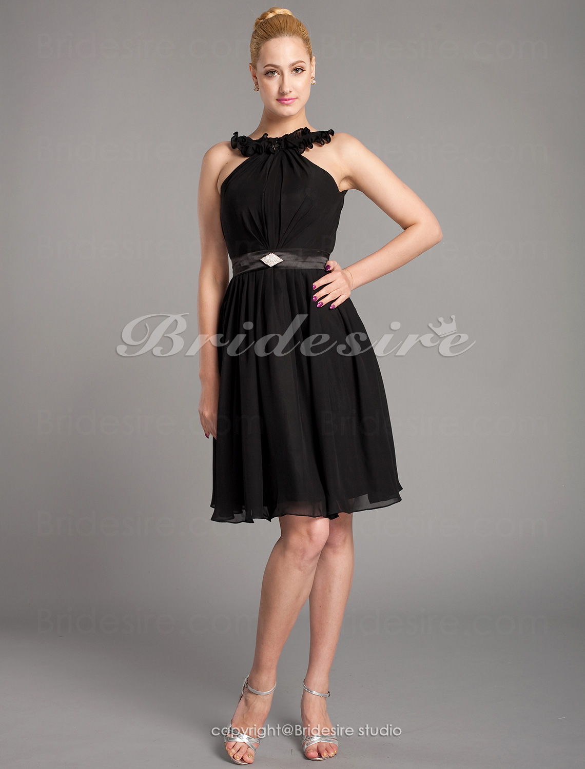 A-line Chiffon Knee-length High Neck Mother of the Bride Dress