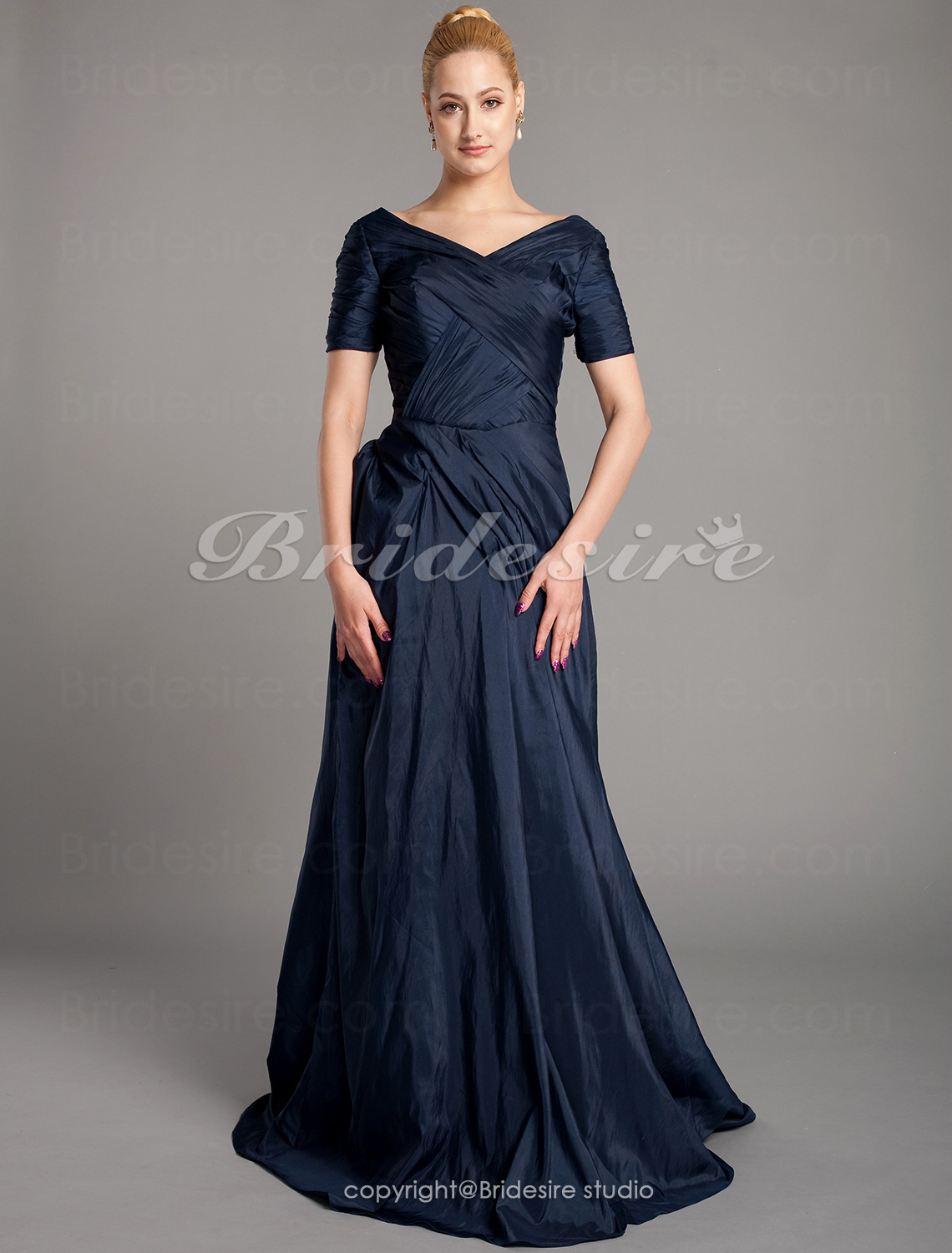 Sheath/Column Taffeta Floor-length V-neck Mother of the Bride Dress